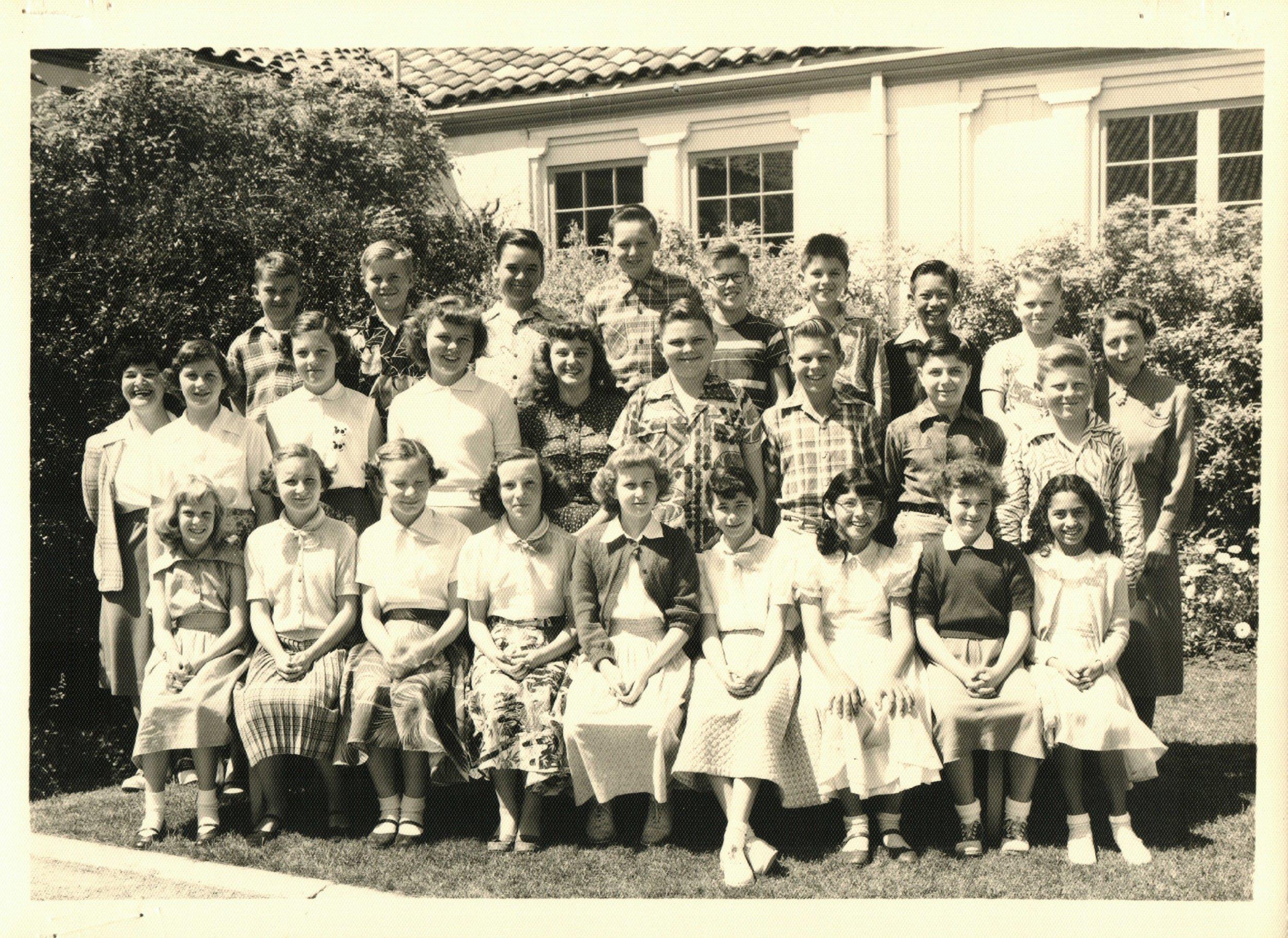 1951-Lincoln School - Mrs Schoenwisner.JPG