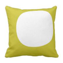Circle green throw pillow