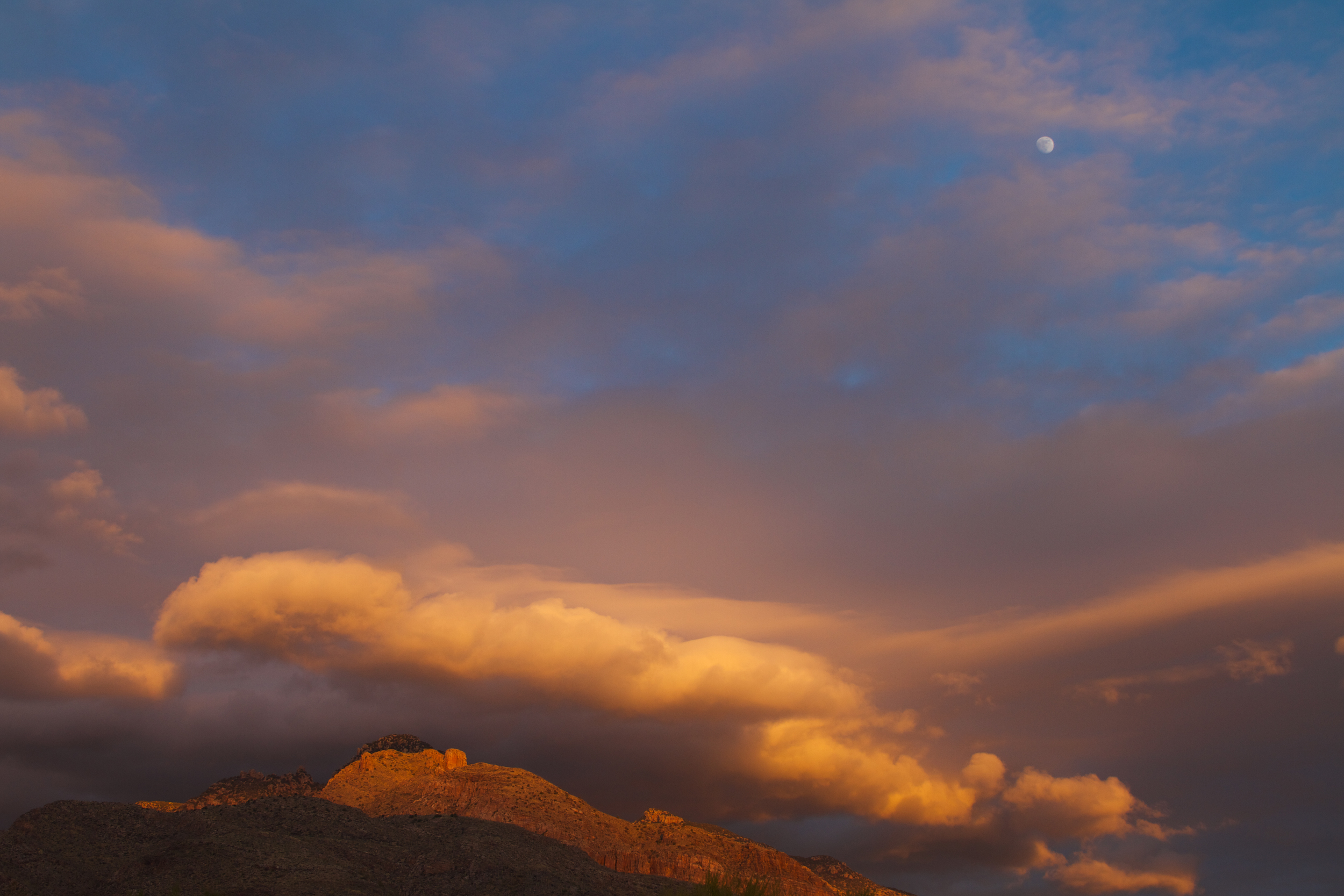 Gathering_Storm_over_the_Catalinas.jpg