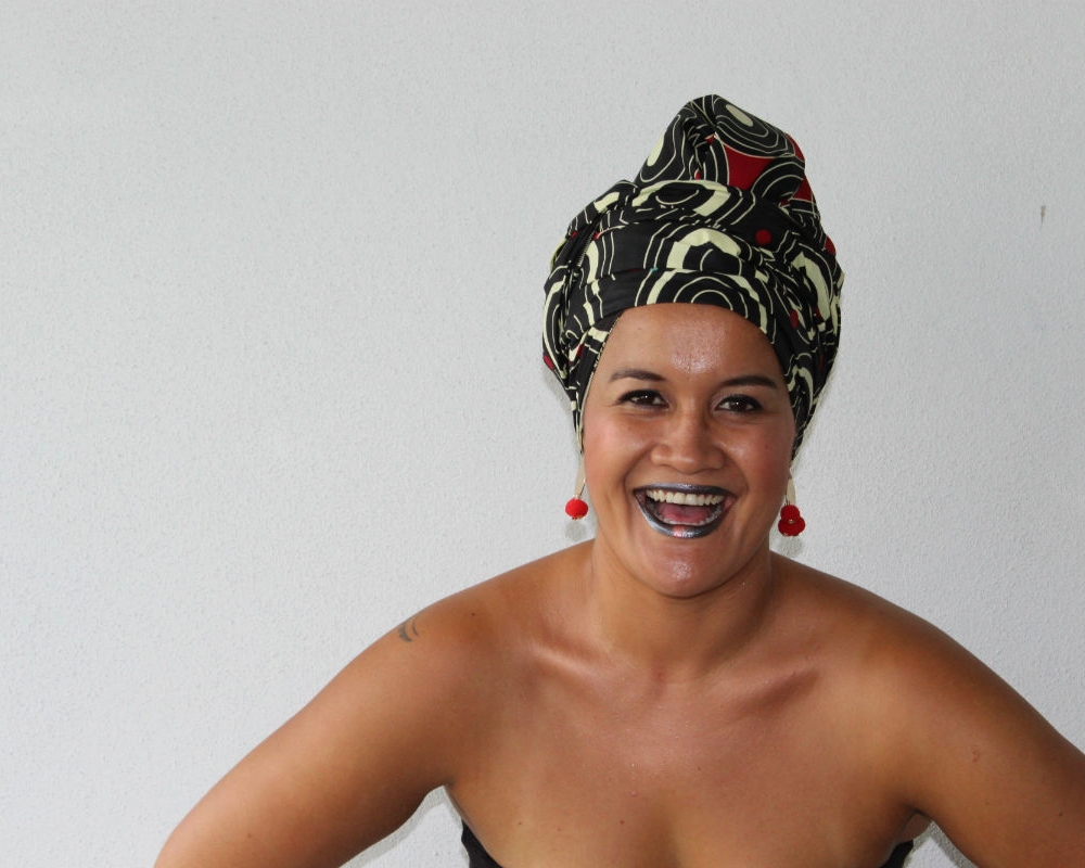Steph looks stunning in HEADWRAP FREEMA and as you can tell by her huge grin, she thoroughly enjoyed rocking our crown.