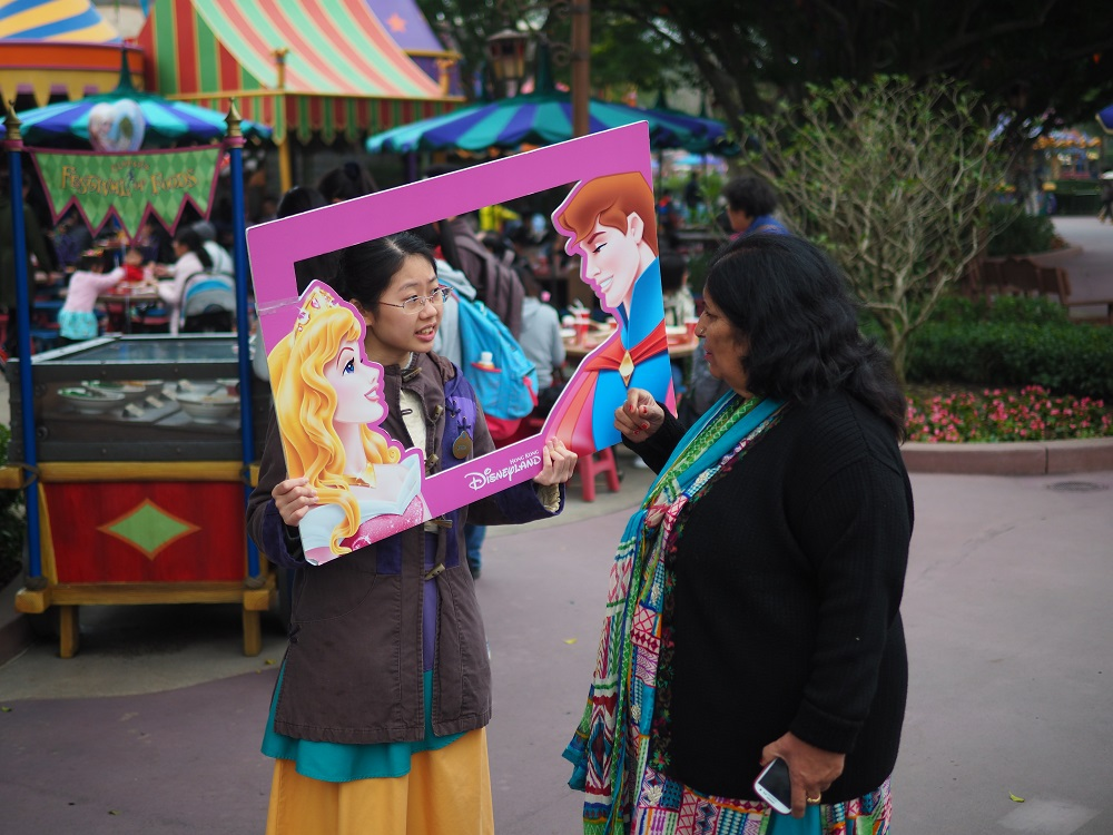pen-f-hong-kong-disneyland-street-photography