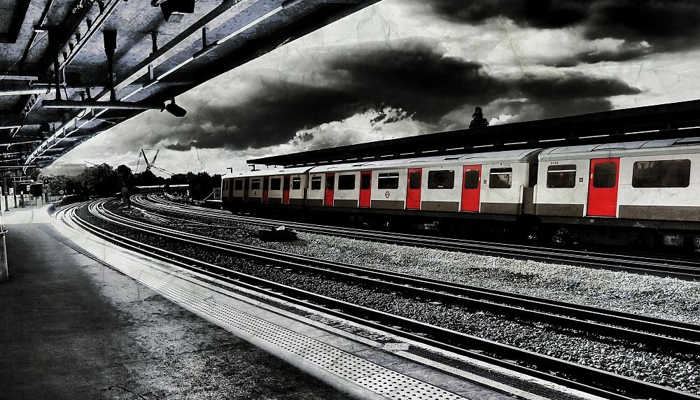 photos-on-the-london-underground-5.jpg