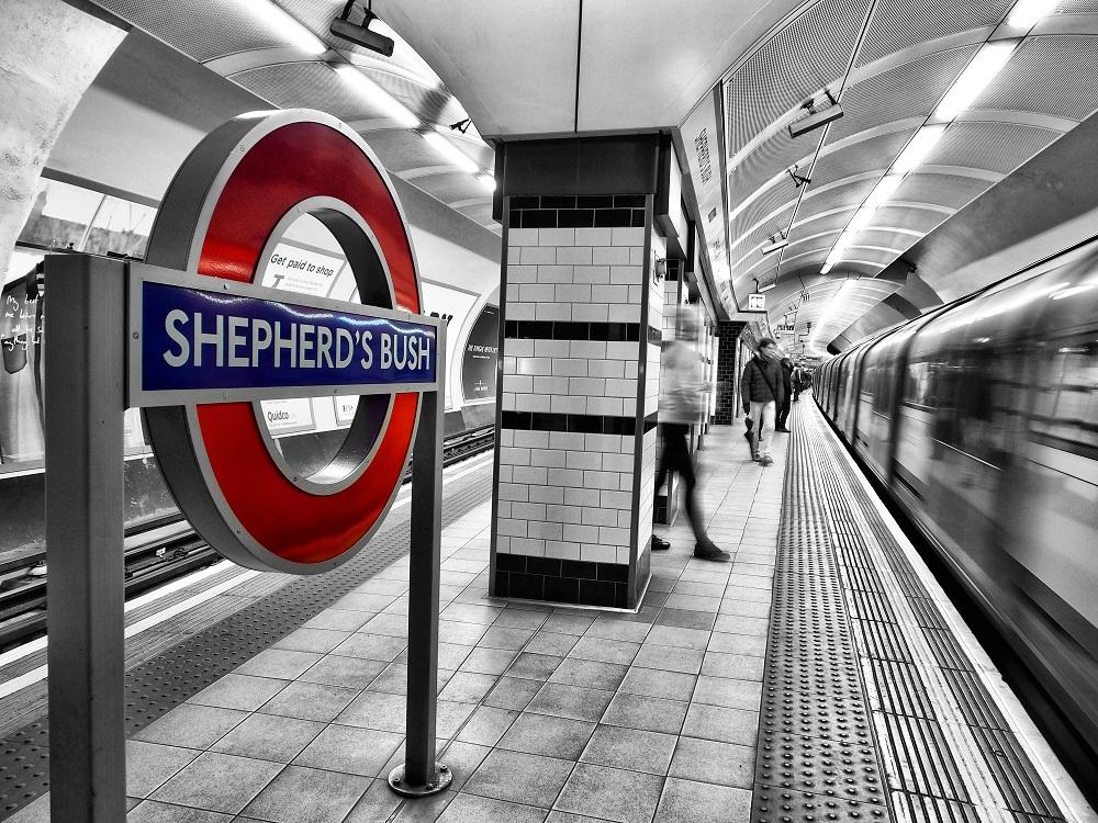 photos-on-the-london-underground-7.jpg