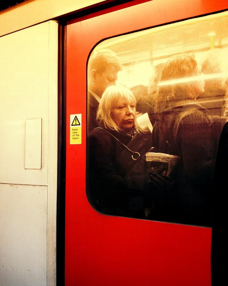 photos-on-the-london-underground-12.JPG