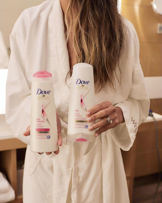 #Dovepartner I've added a little luxury to my shower by partnering up with @dove I have been using the Doves new Color Protect Shampoo and Conditioner to help maintain my hair color. It's their first-ever sulfate-free system, and I love how soft and vibrant my hair feels after I shower. 🛁💖 #doveColorProtect #dove #ad
