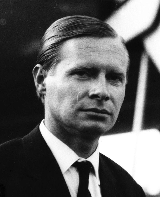 Hans G. Conrad, le contó Lufthansa al mundo sin despeinarse.