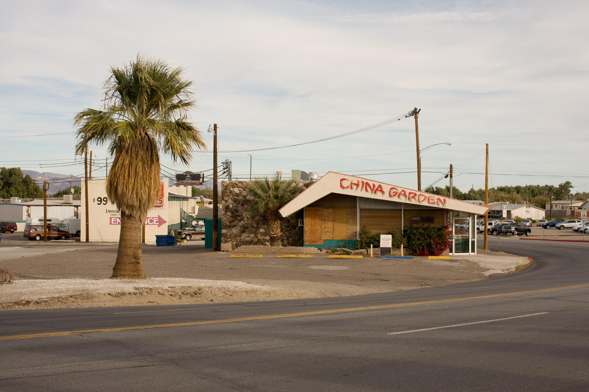 La  foto  pertenece a Liz Kuball, de su serie California Vernacular