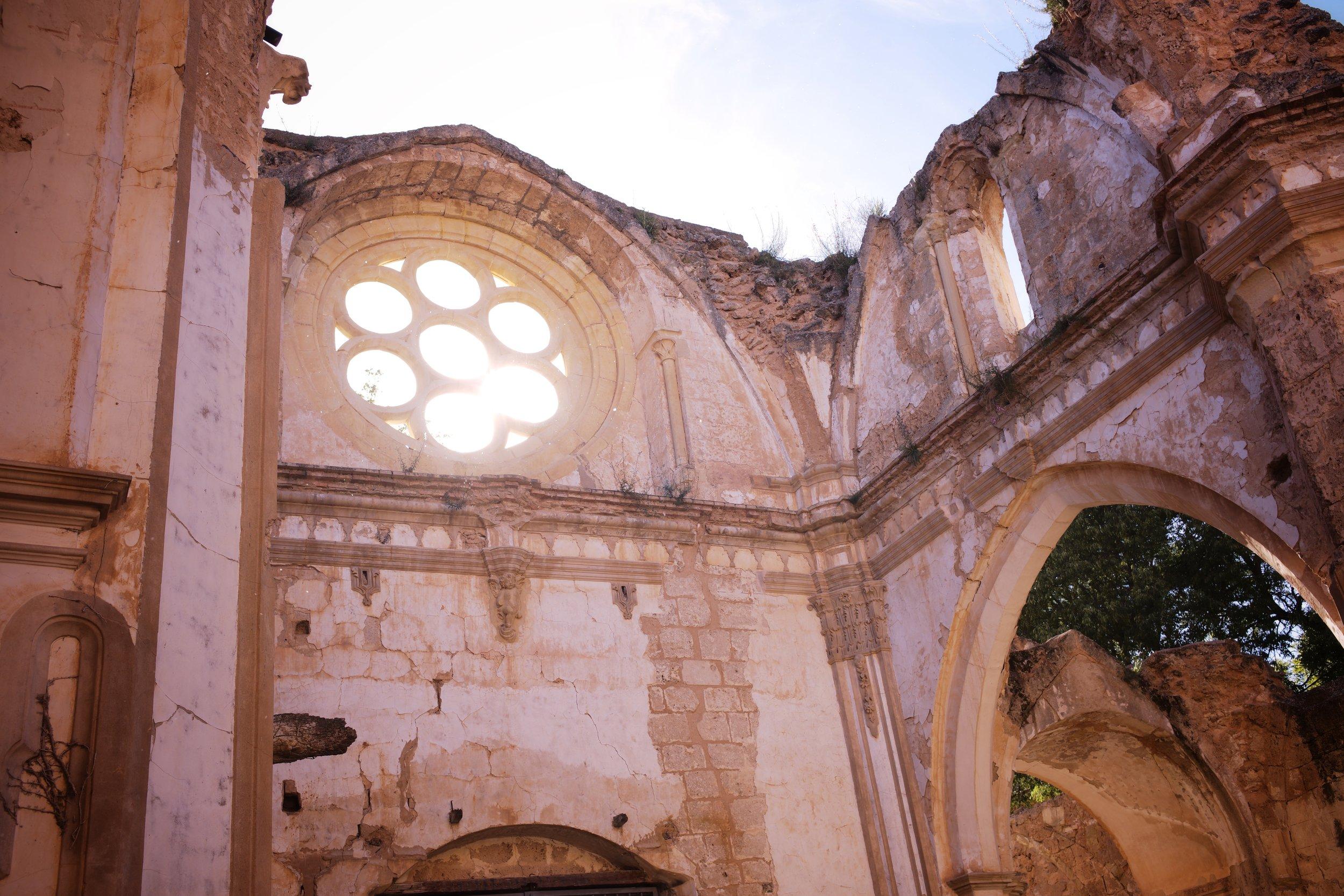 Un detalle de la arquitectura cisterciense del Monasterio de Piedra.