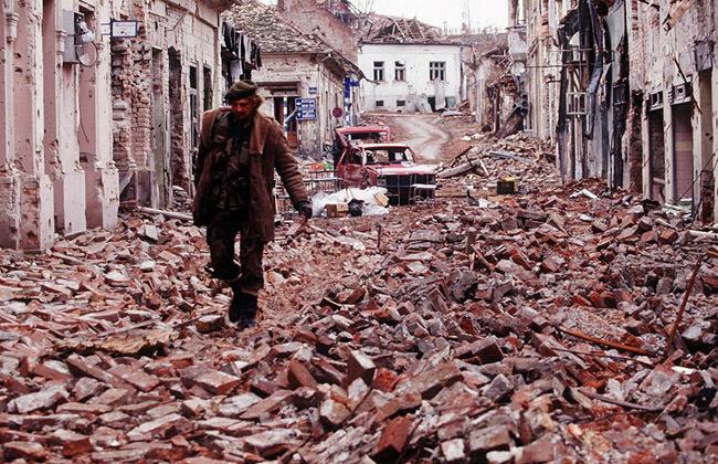 La destrucción de Vukovar, que bien podría ser nuestro Belchite (no doy con el autor de la foto).