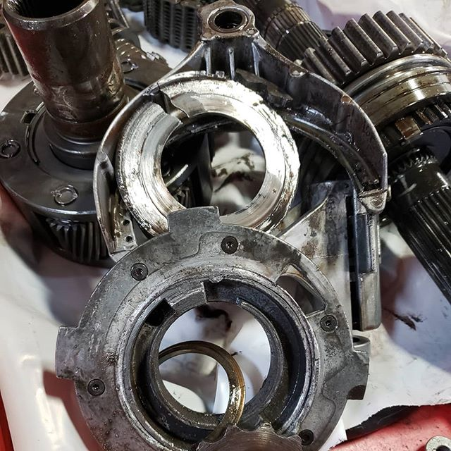 It's 4 wheel drive season so don't forget about your transfer case. Whether it just needs to be serviced,  it's making a sound, or it broke out on the red rocks bring it in and let us help!  #jeeplife #stgeorgetransmissionandautomotive #stgeorge #utah #utahmechanic #transfercase #mechanic