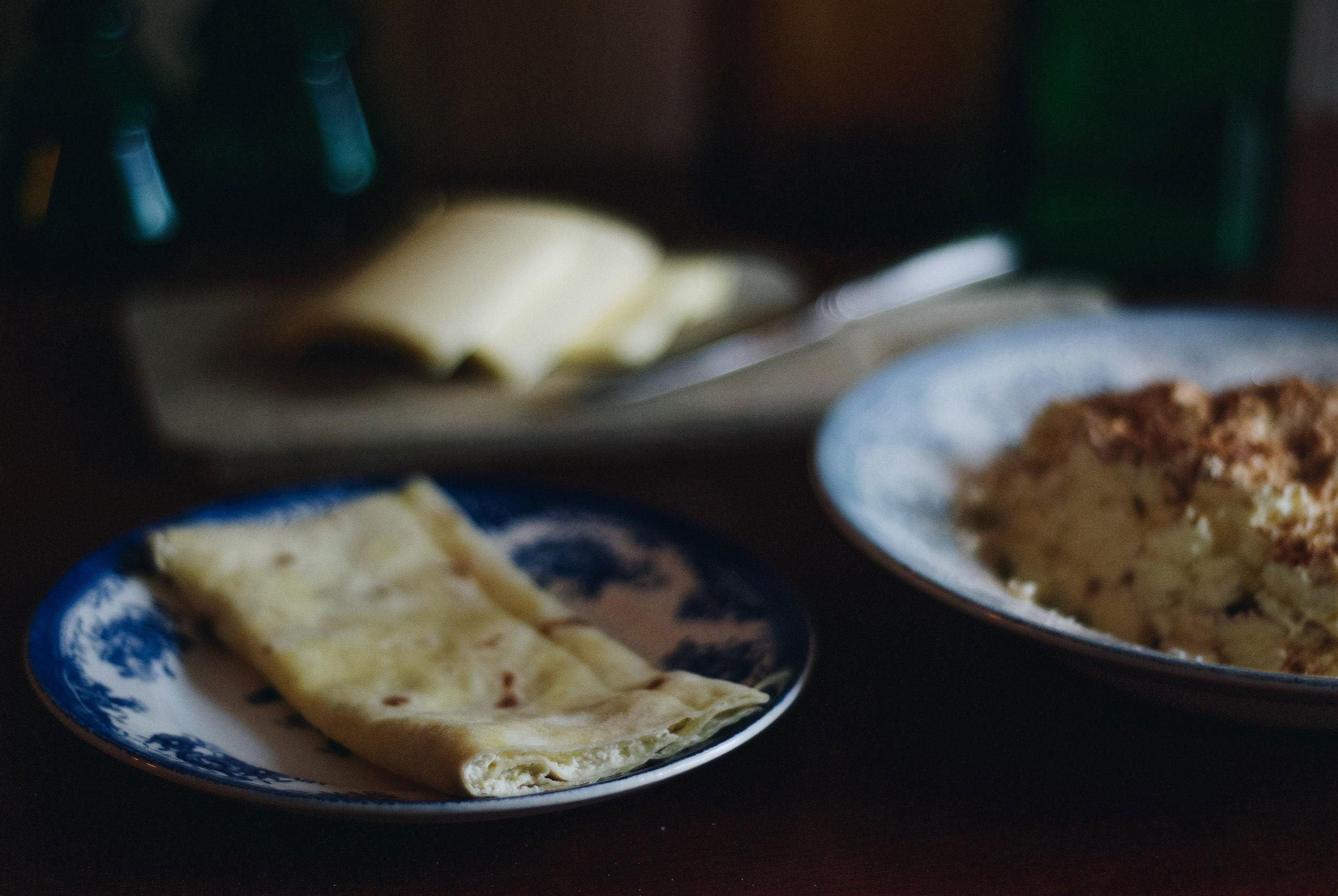 Lefse med eggost . En av julens mange tradisjoner.