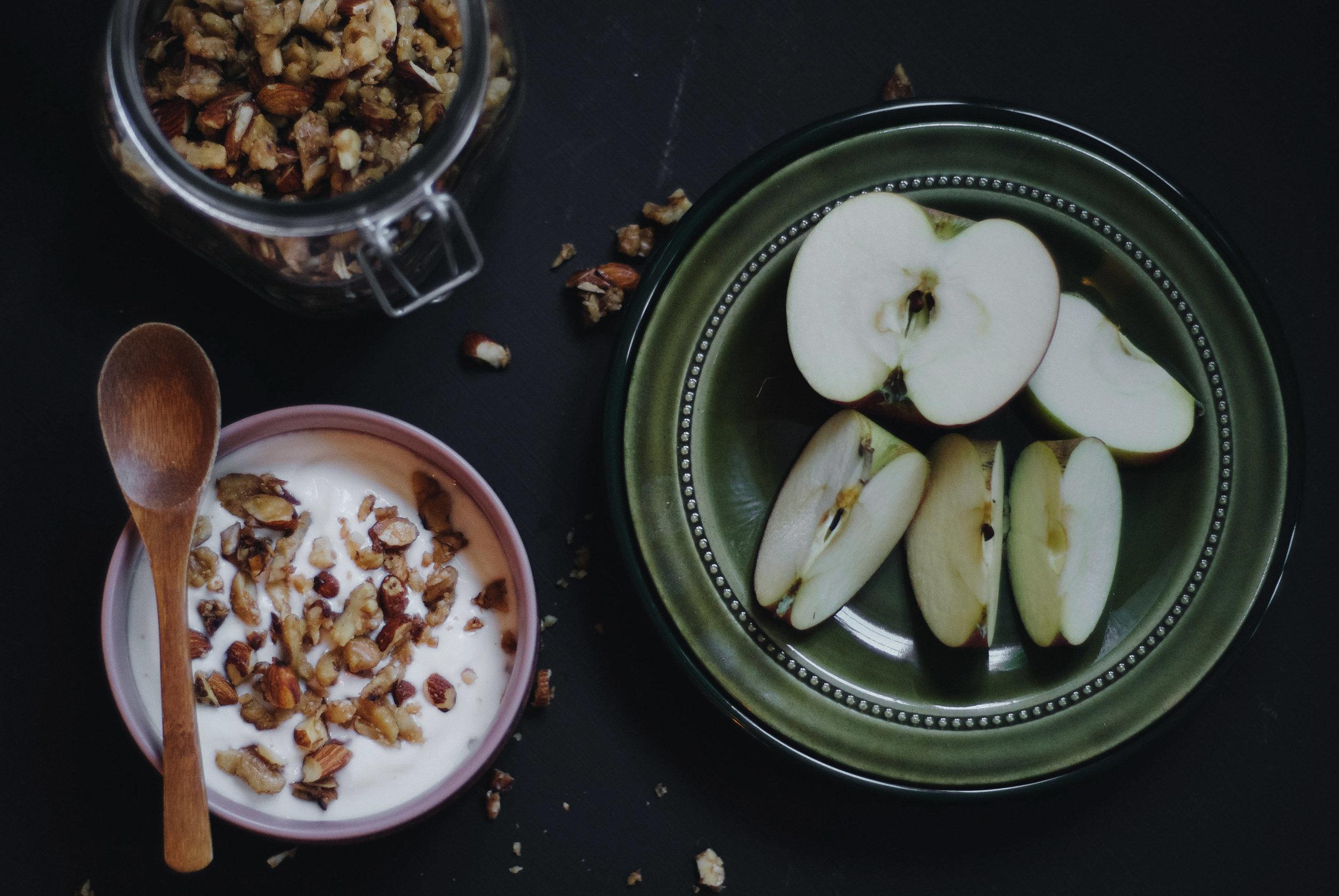 Sunt.  Nøtter er sunt og bra for helsa.