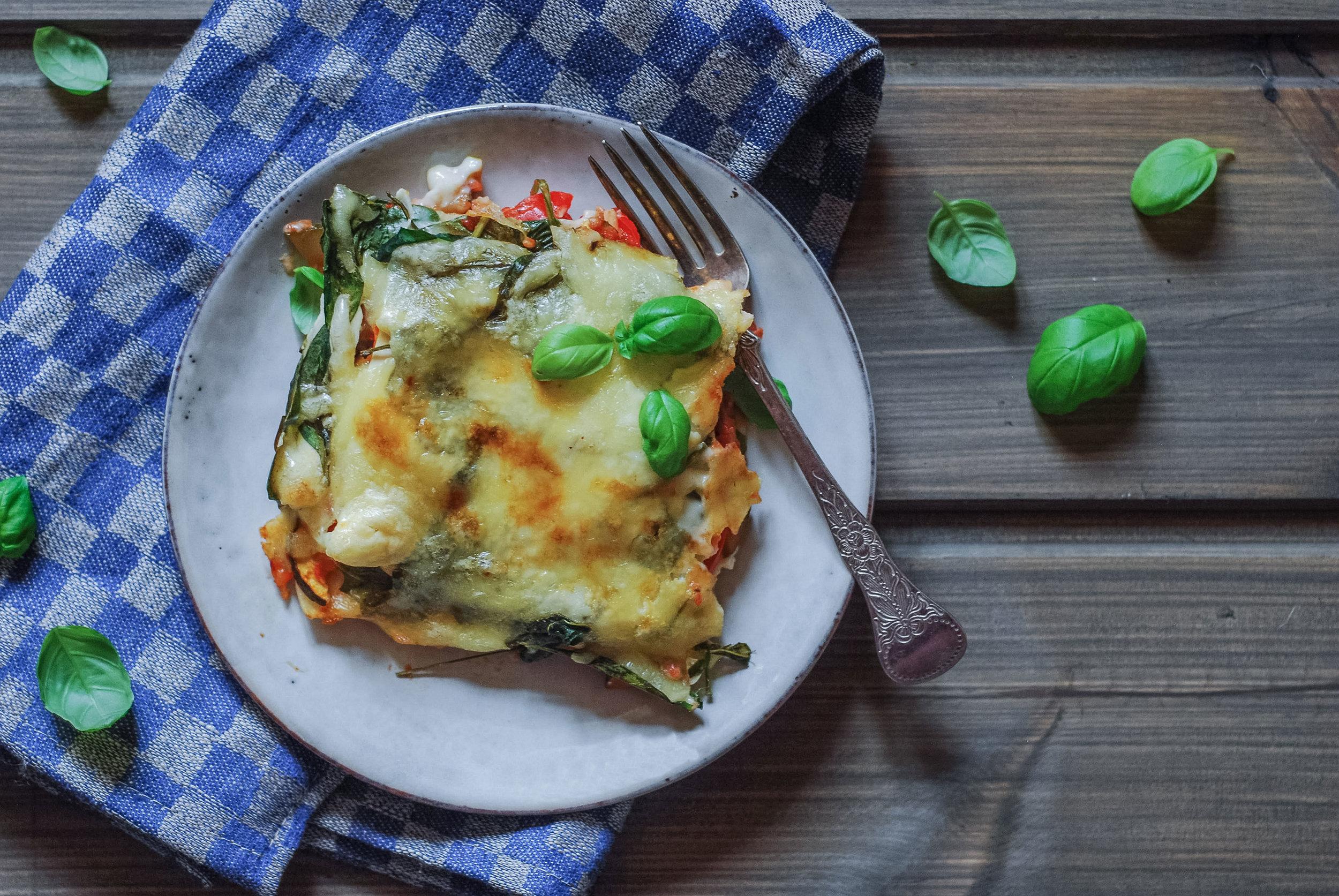 Middag uten kjøtt.  En middag uten kjøtt trenger ikke være kjedelig, sånn som denne  lasagnen.