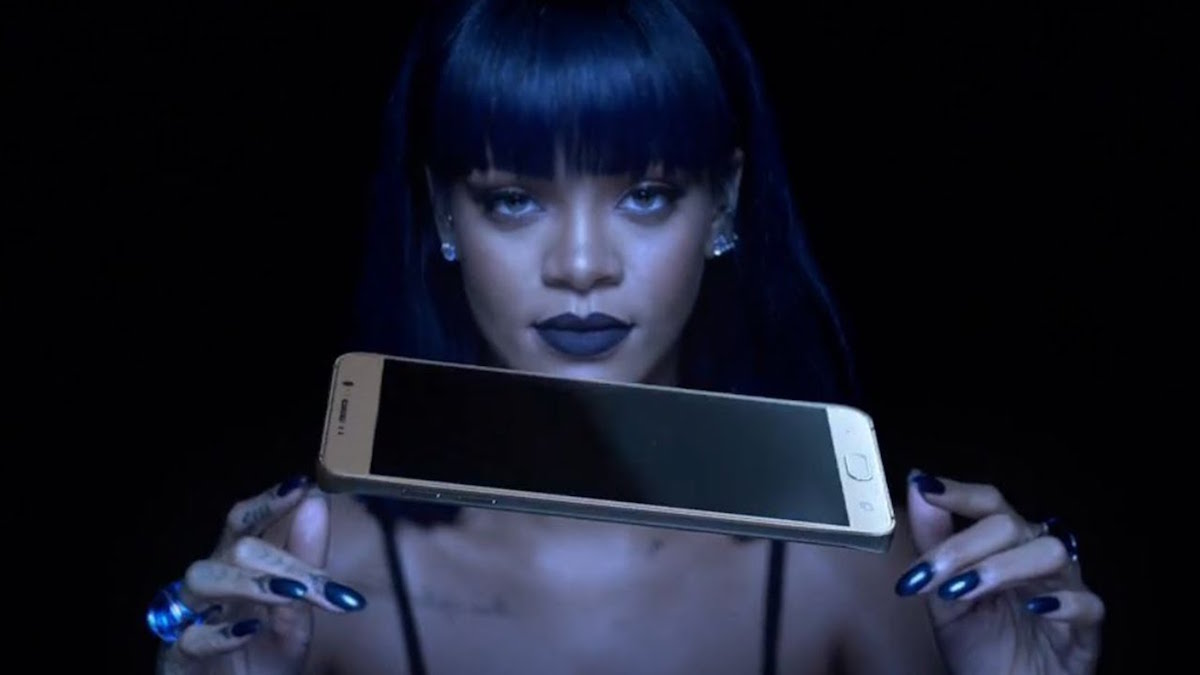 Rihanna-AntiDiary-Album-Video-Samsung-The-Dapifer.jpg
