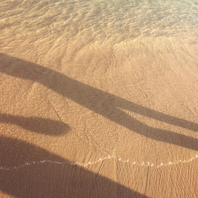. . . . #sunset #sunrise #sun #relax #orange #wave #white #nature #water #horizon  #warm #view #night #morning #silhouette #atardecer #puestadesol #sol #beach #playa #california #nube #la #earth #ray #light #yellow