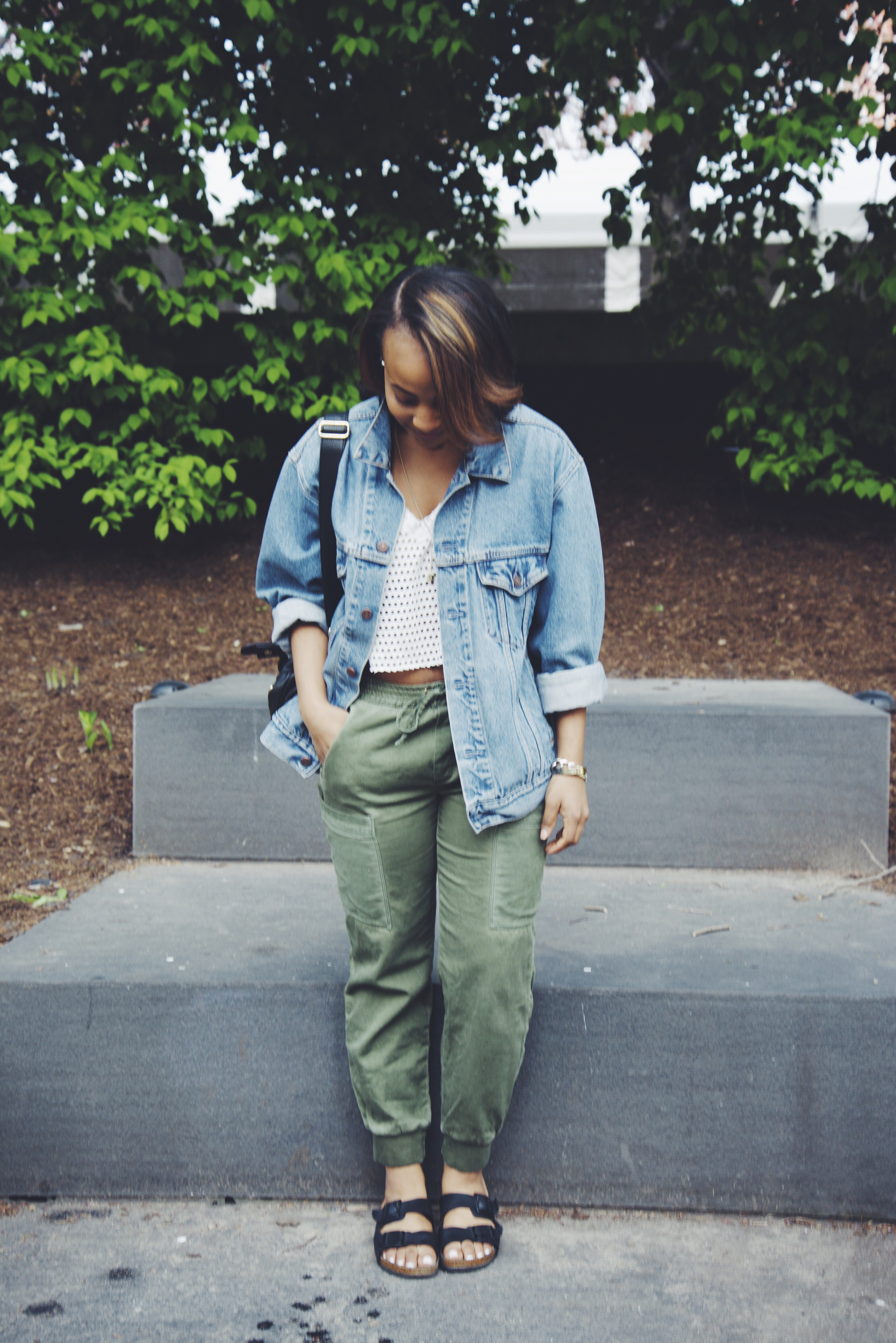 Jacket: Thrifted/ Shirt: Thrifted/ Pants: Zara/ Shoes: Asos/ Bag: Urban Outfitters