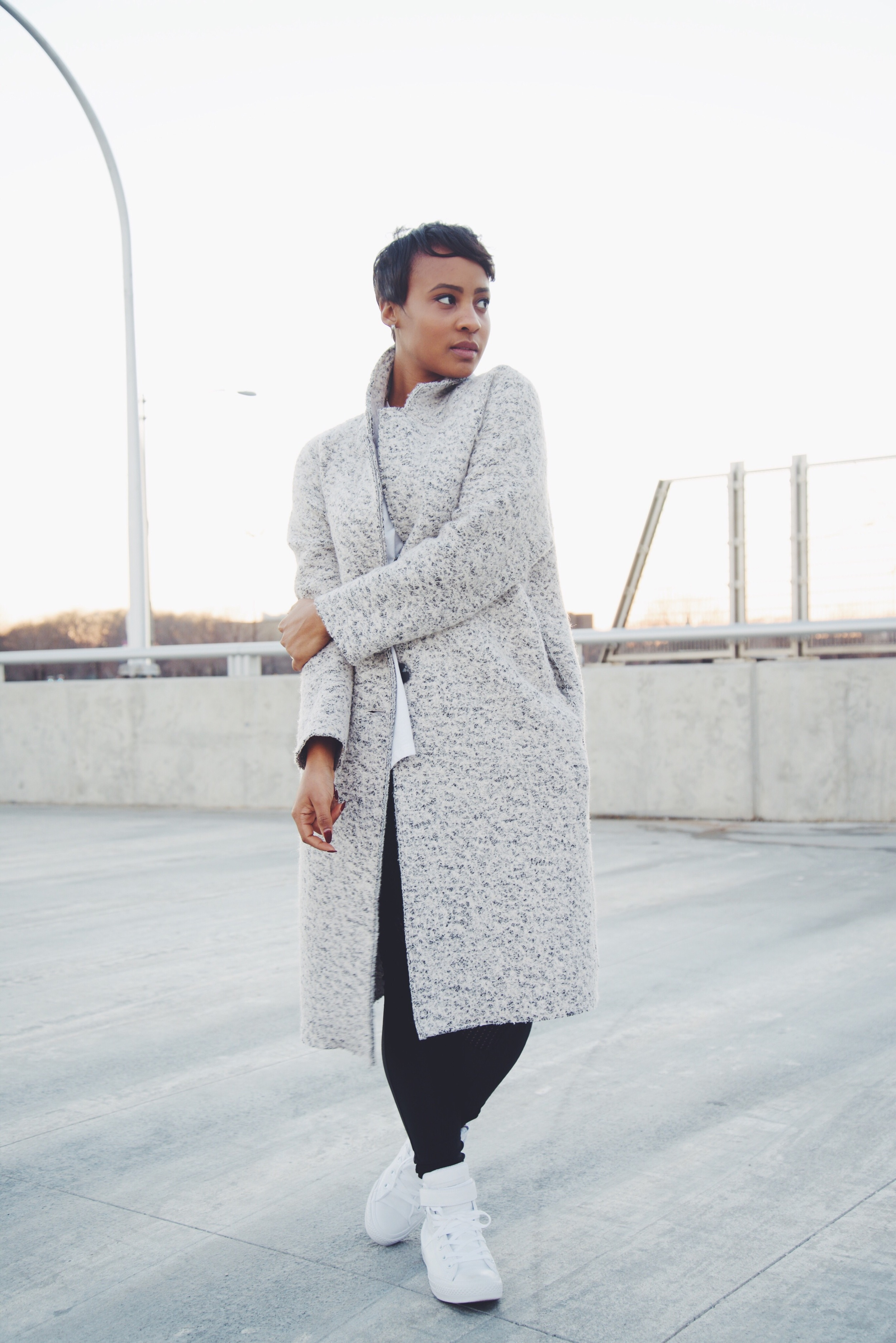 Jacket: Zara / Legging: Urban Outfitters / Shirt: Zara