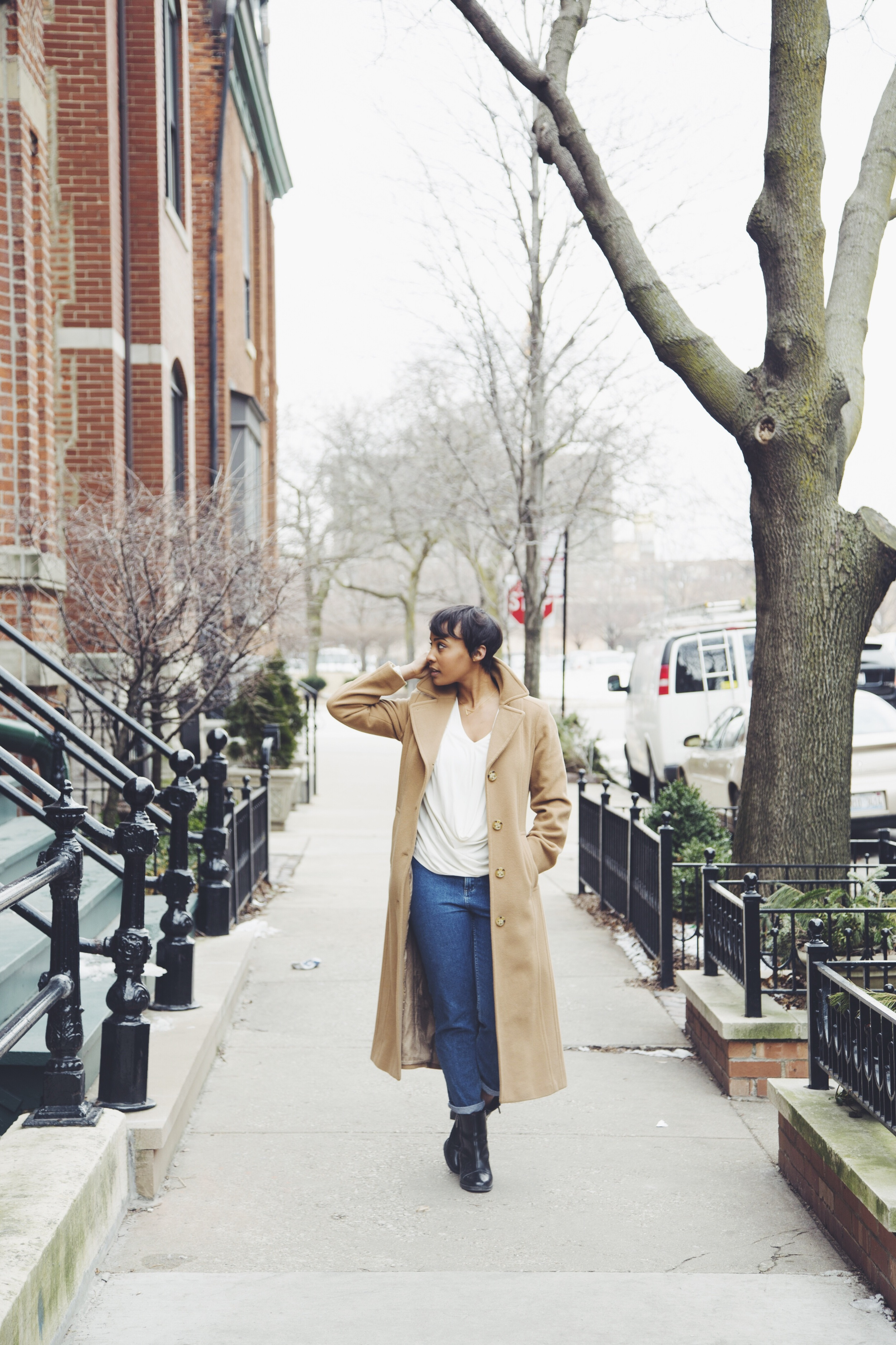 Coat: Anne Klein / Shirt: Thrifted / Jeans: Topshop / Shoes: Zara