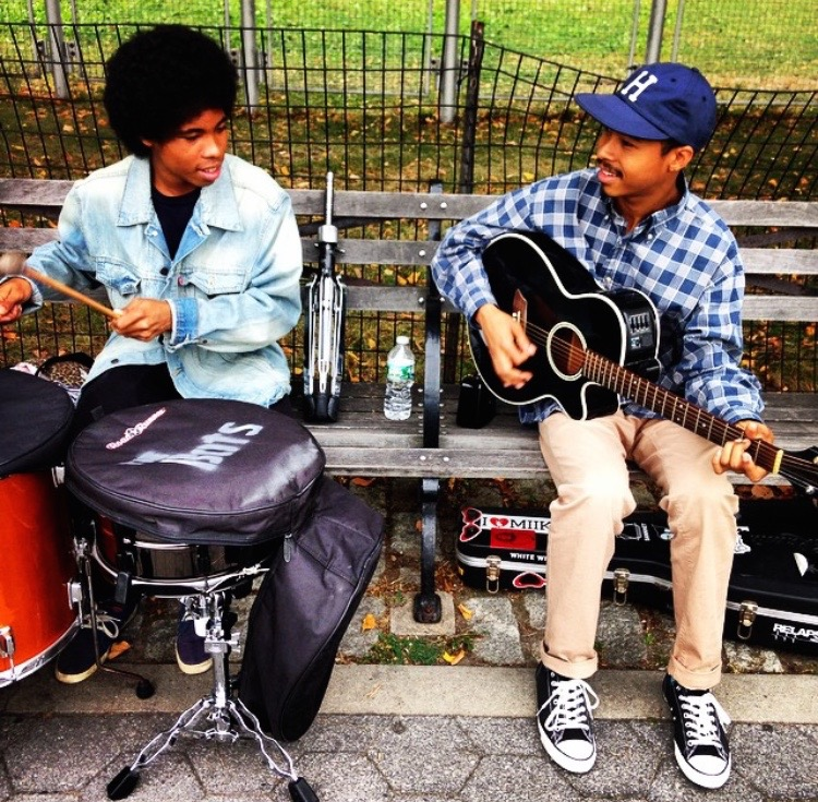 @chuck_aThat one time I convinced a rock back from L.A> to lug their gear to Riverside Park to play a few songs #joy #beauty #makingplaceuws