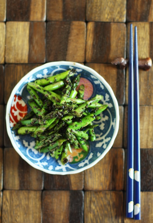 Japanese Asparagus with Black Sesame
