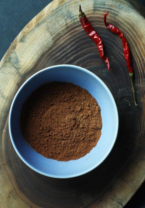 Cocoa Powder, Chili Powder & Cinnamon :: Set the Table