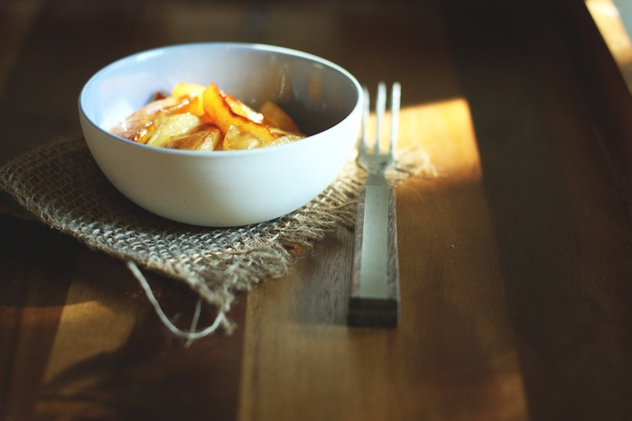 Della's Fried Apples :: Set the Table