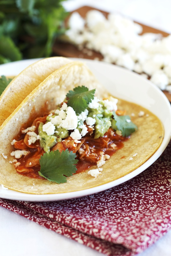 Slow Cooker Shredded Chicken Tacos | Set the Table