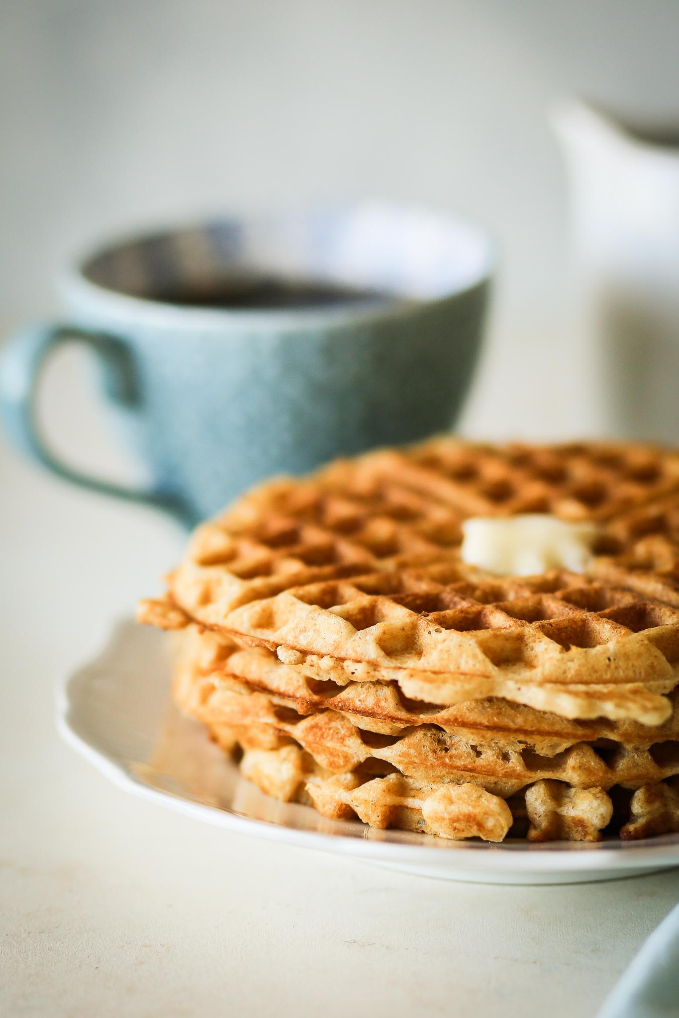 Brown Butter Vanilla Waffles | Set the Table #waffles #wafflerecipe #brownbutter #vanilla #breakfast #brunch #holidays #holidayrecipe