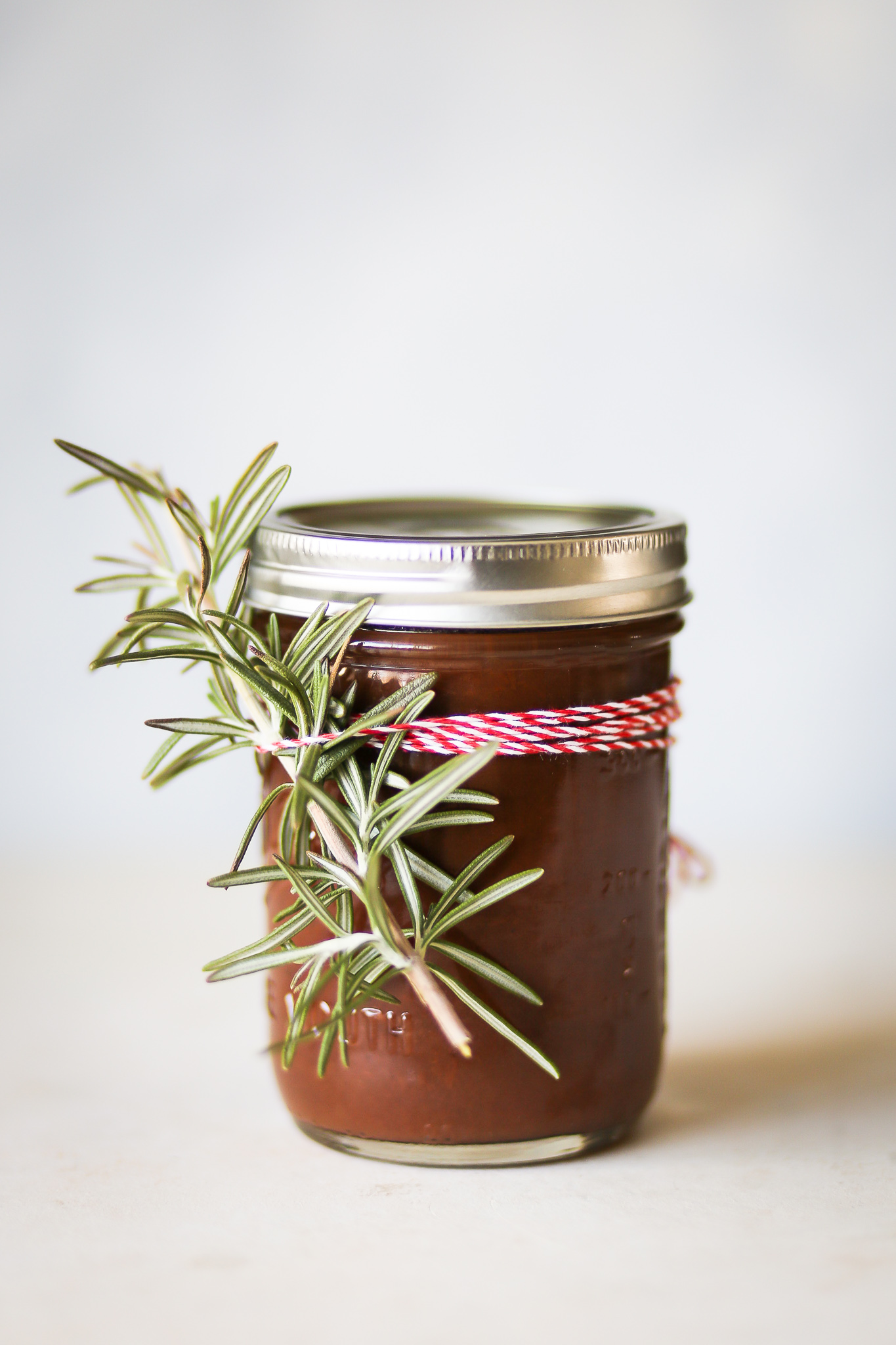 Rosemary Apple Butter | Set the Table #applebutter #applerecipe #nosugaradded #rosemary