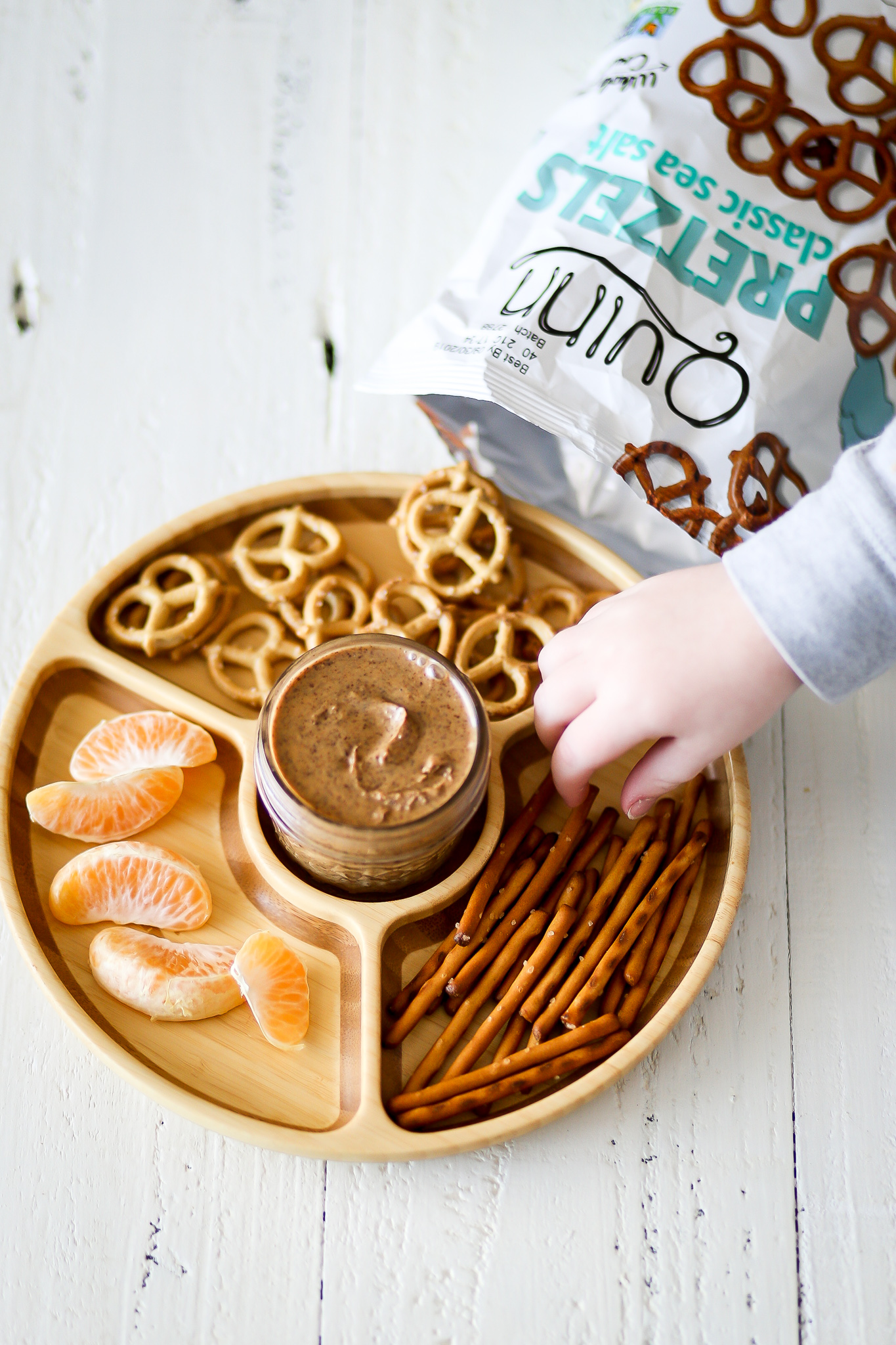 Snack Ideas for Picky Eaters | Set the Table #pickyeaters #kidsnacks #quinnsnacks #ad