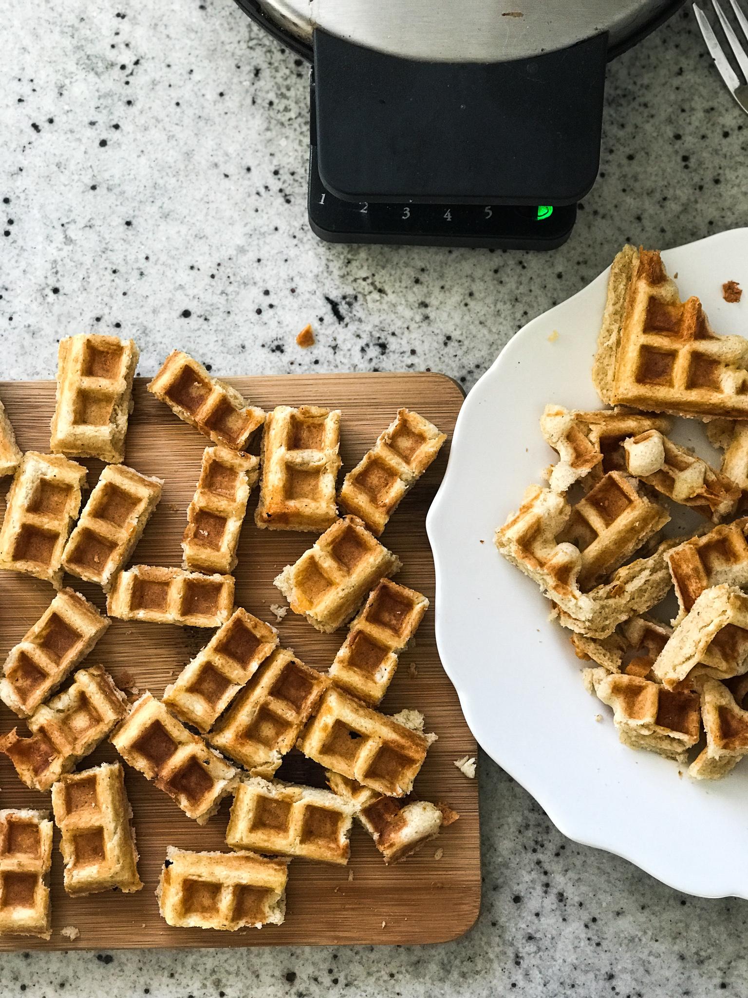 Rosemary Apple Butter Waffle Bites | Set the Table #thanksgiving #thanksgivingappetizer #holidayrecipe #holidayappetizer