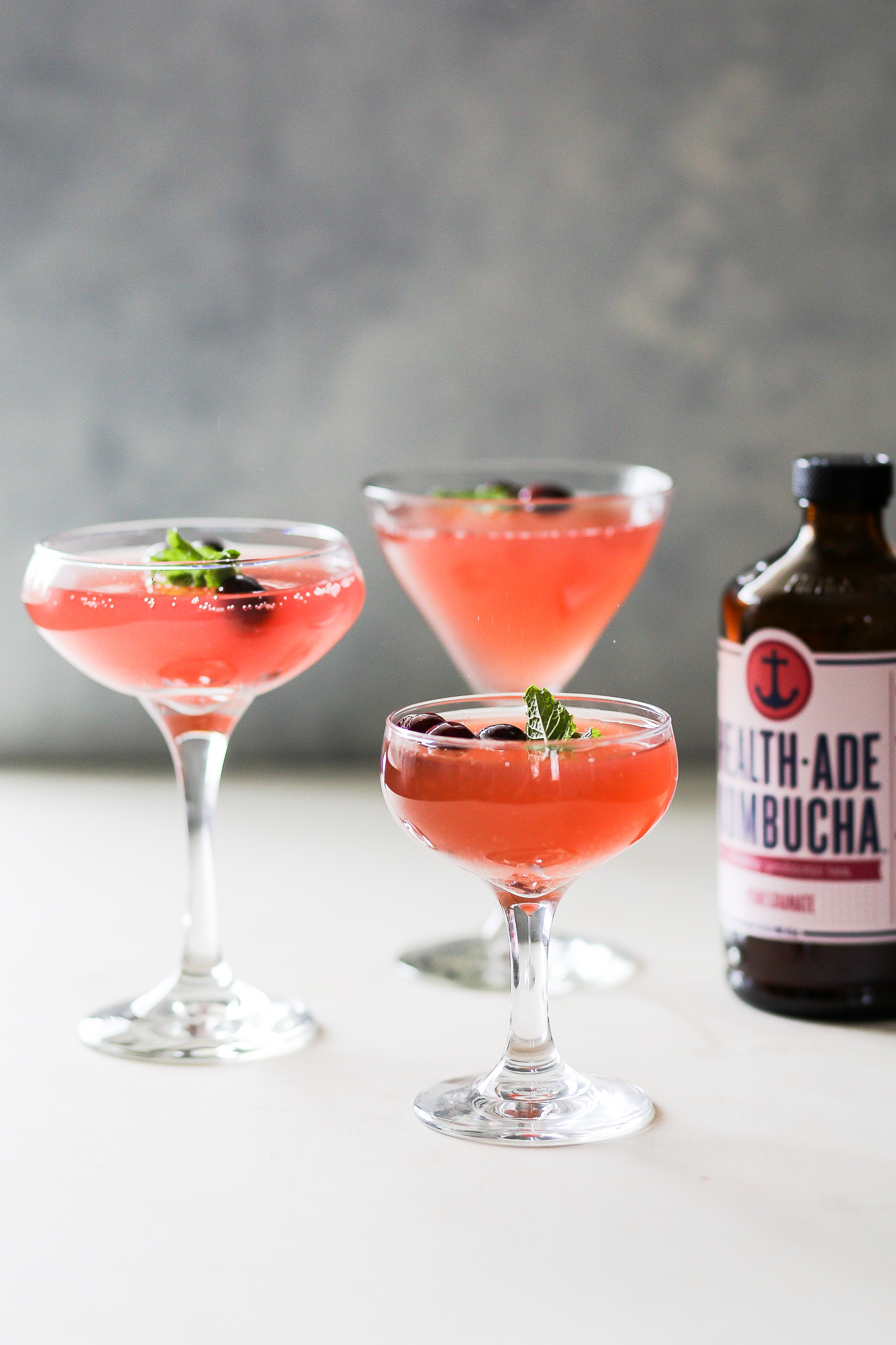 Spiced Kombucha Rum Punch | Set the Table #kombucha #followyourgut #ad #cocktail #recipe #mocktail #holidaycocktail