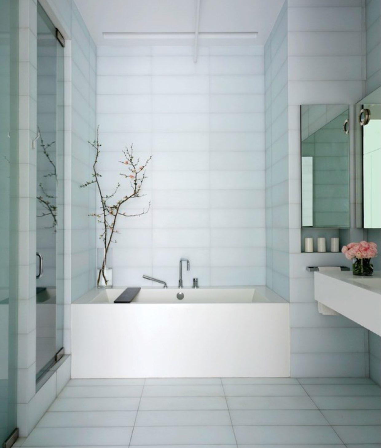 13 Gorgeous Minimalist Bathrooms Photos | Architectural Digest.jpg
