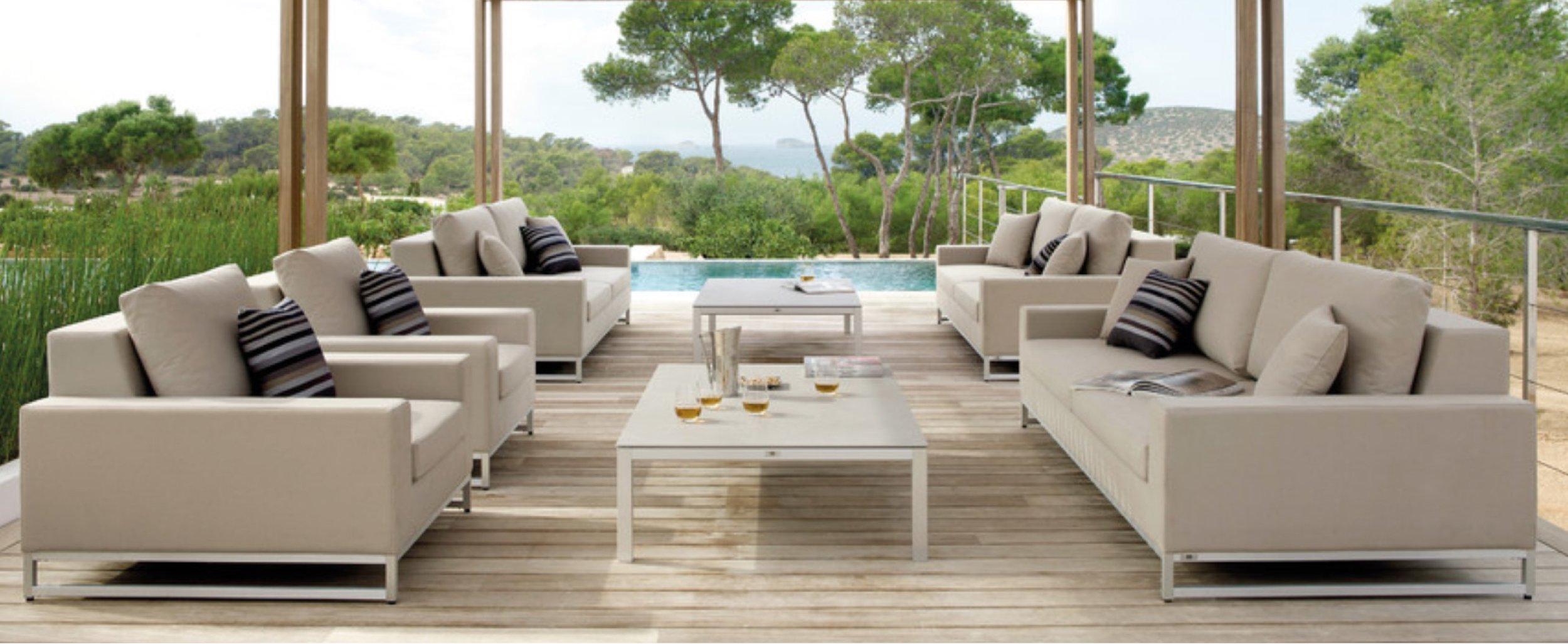 30 Best Luxury Deck Ideas & Remodeling Photos | Houzz.jpg
