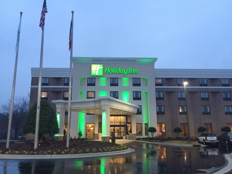 I booked two nights in an Executive Suite at the Holiday Inn Greensboro Coliseum for 10,000 points!