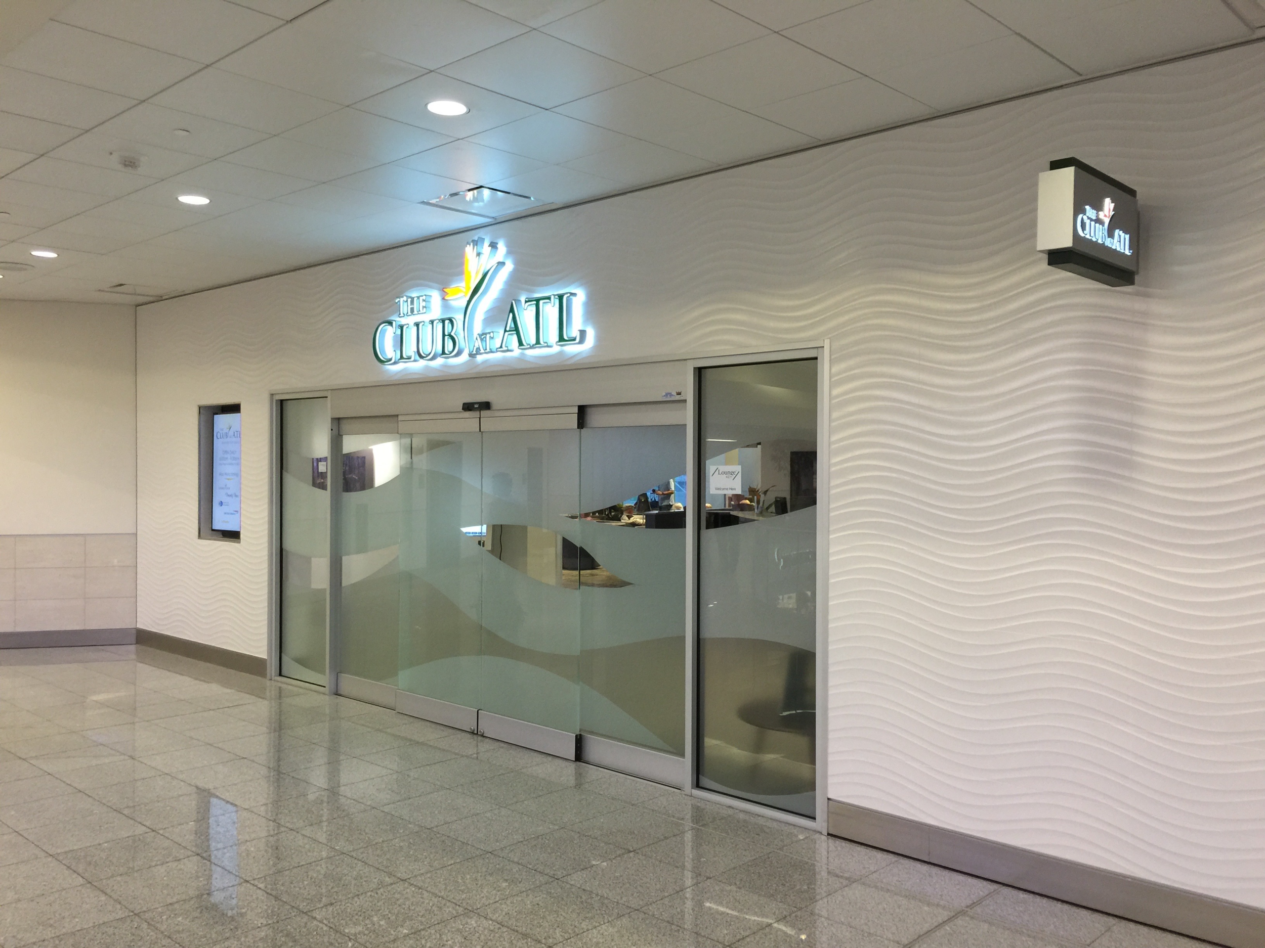 The Club at ATL is located on the second level in the international terminal atrium in Atlanta  (click to enlarge)