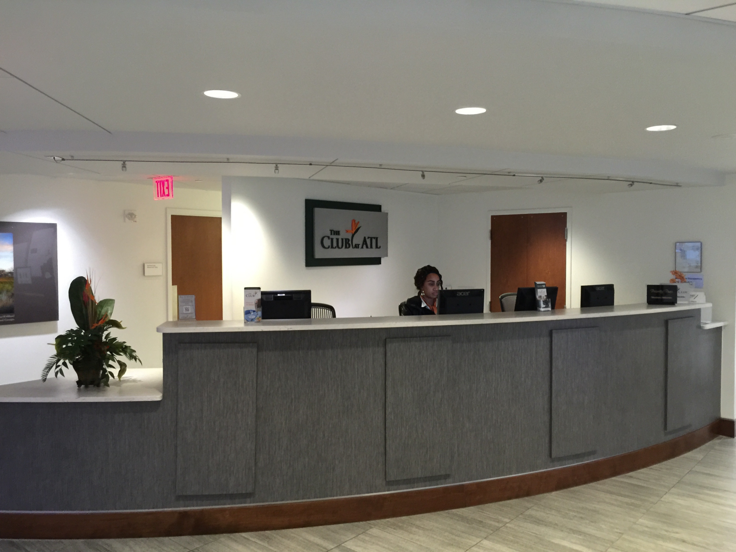The Club at ATL front desk  (click to enlarge)