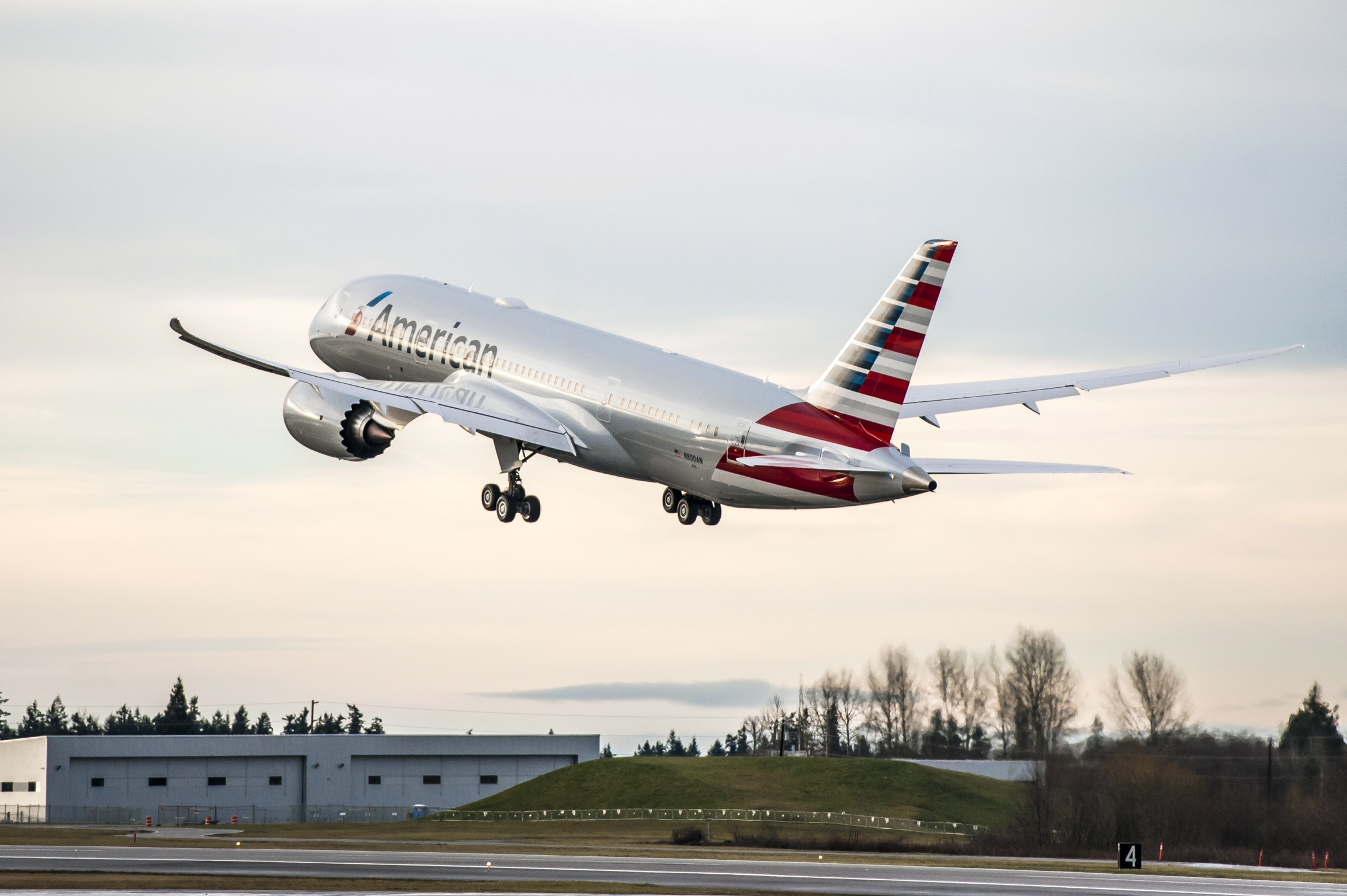 American Airlines will begin LAX-AKL service in June 2016 using its Boeing 787-8 aircraft (shown)