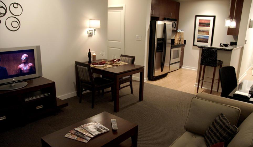 Deluxe one bedroom suite - TWELVE Atlantic Station   (Photo: TWELVE Hotels)
