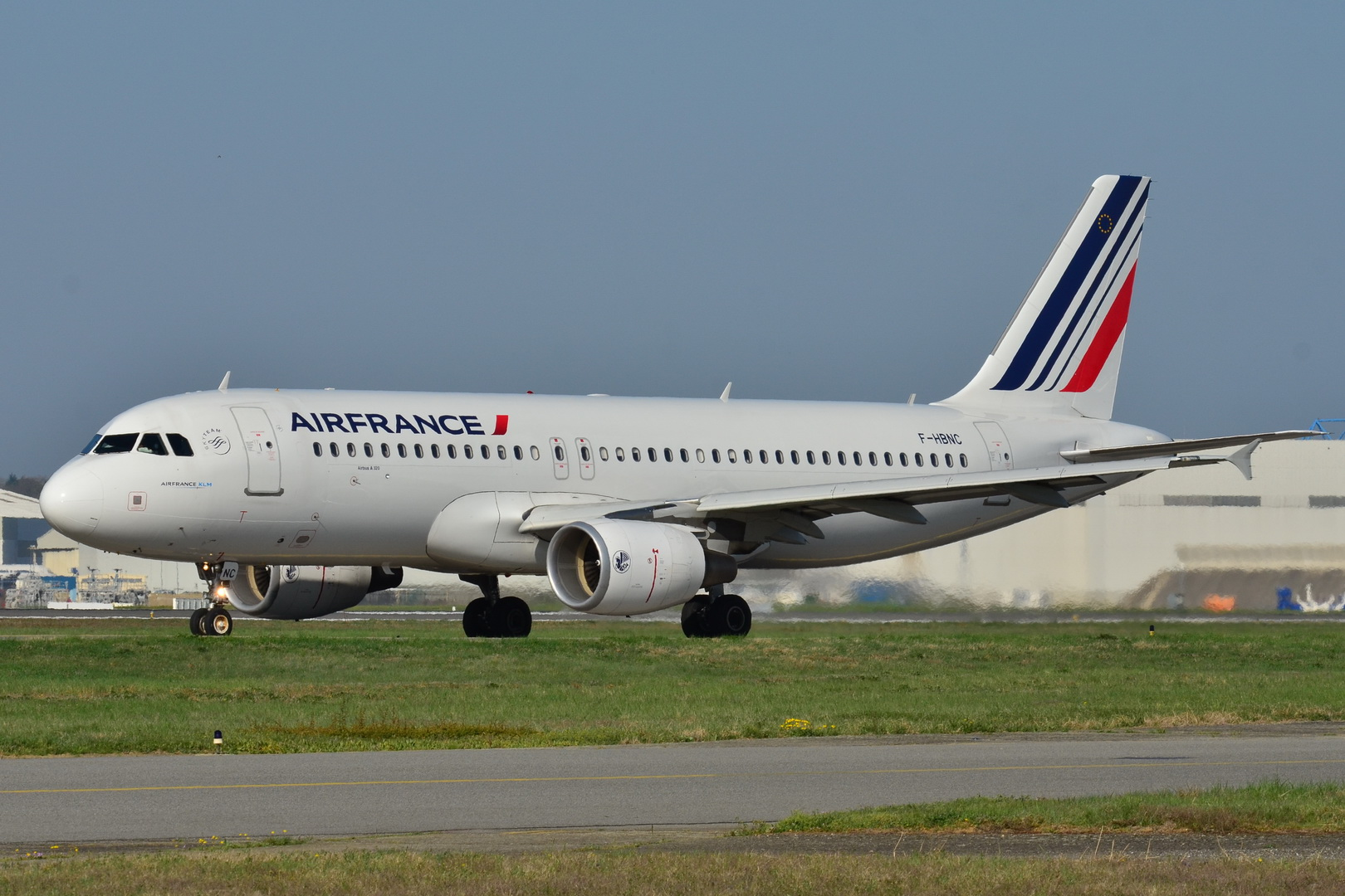 Air France will launch service between Pointe-à-Pitre and Atlanta using an Airbus A320  ( Photo: Wikipedia ) (Click to enlarge)