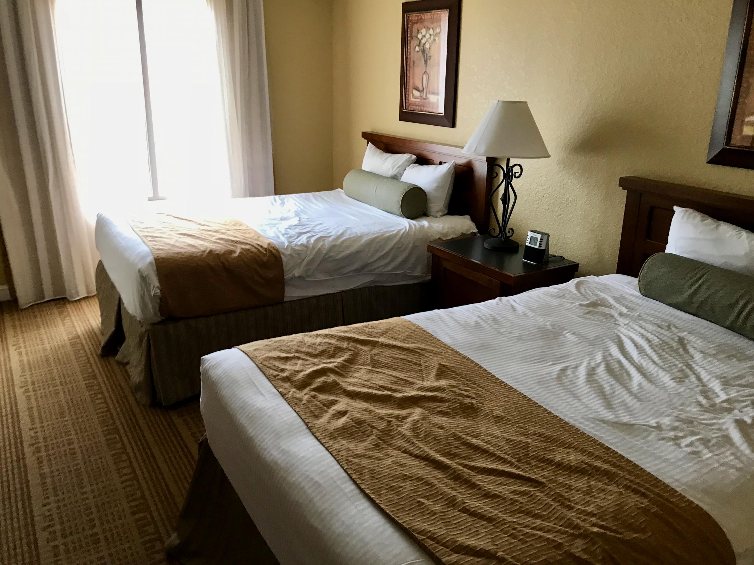 Condo second bedroom  (click to enlarge)
