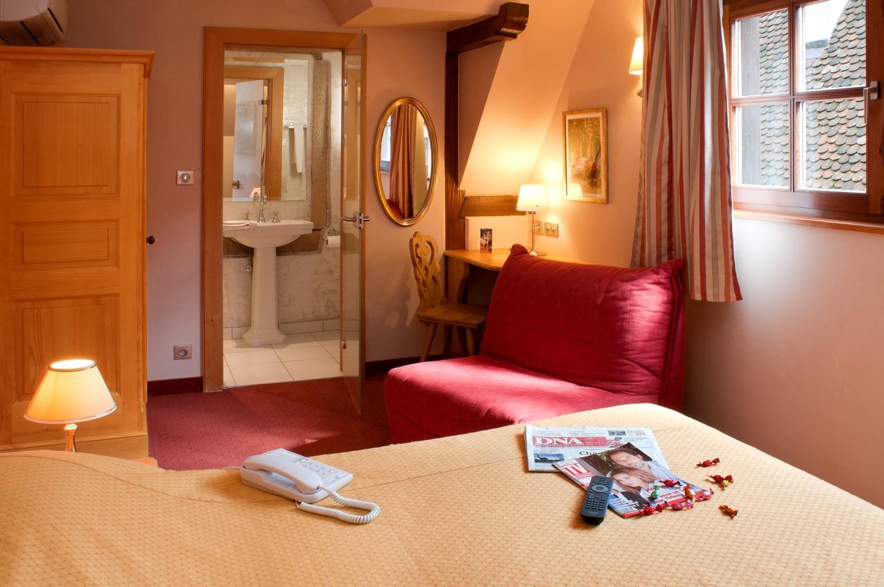 Hôtel Saint-Martin Superior guest room   (Photo: Hôtel Saint-Martin)  (click to enlarge)