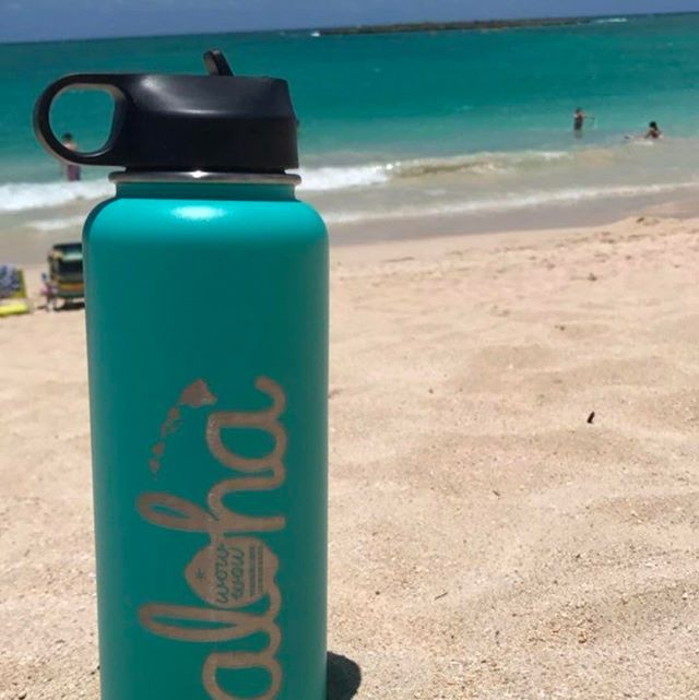 Mahalos to all pre-ordered our Mint hydroflasks, we are packing them up now and will ship out tomorrow morning!  Tag a friend below  if you want to to be entered into our next drawing for a free 32oz Mint hydroflask 😃😍🌴 Our Mint Aloha  jar winners will be announced tomorrow !