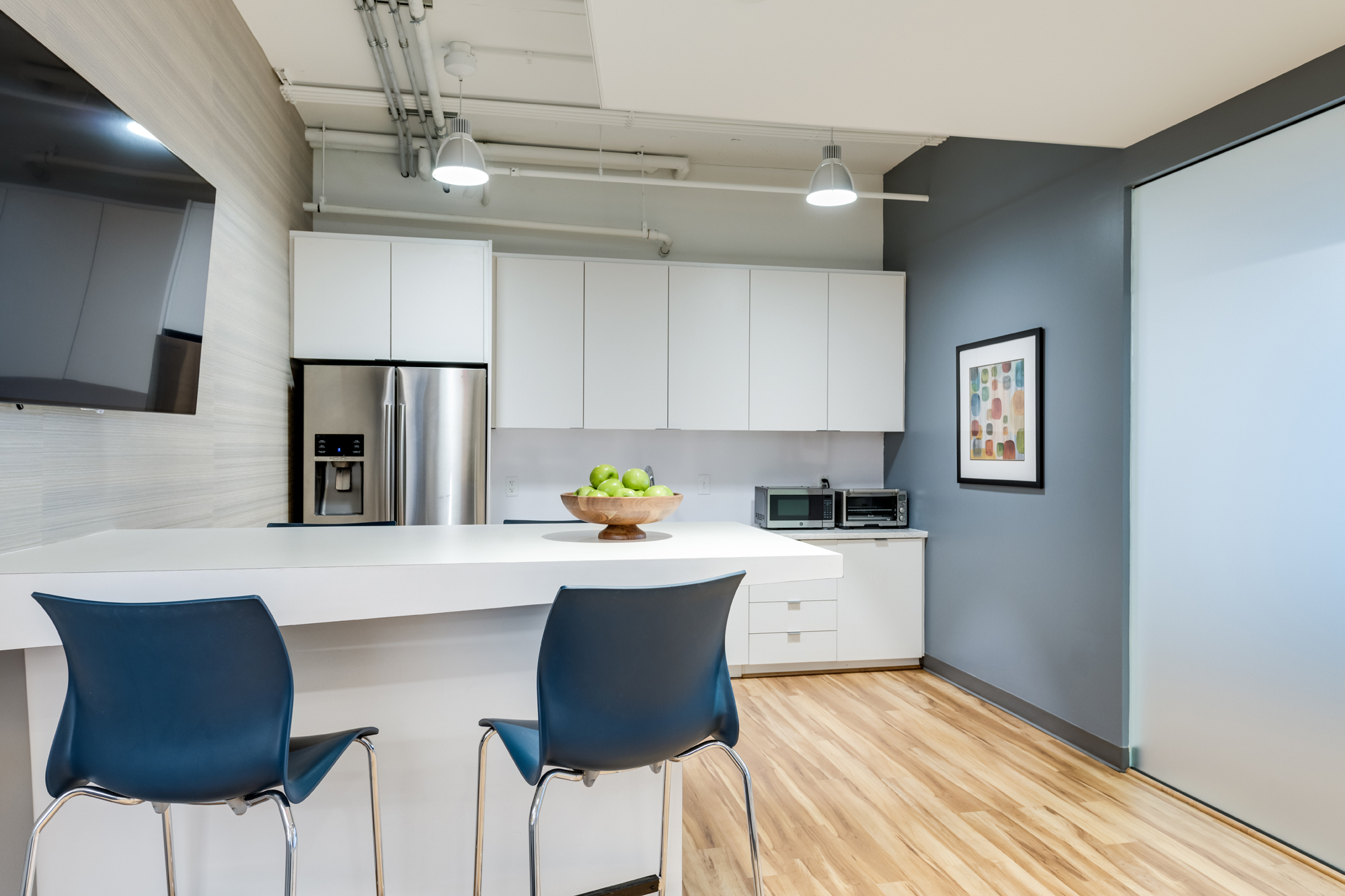 RestonOffice_CommercialDesign_Officekitchen3.jpg