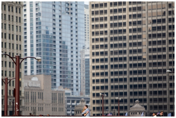 engagement-session-chicago-skyline-summer-loop-downtown_0003