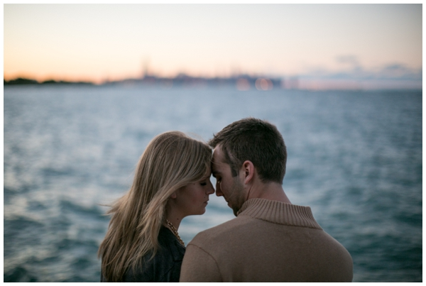 chicago-skyline-engagment-natural-rustic-portraits_0005