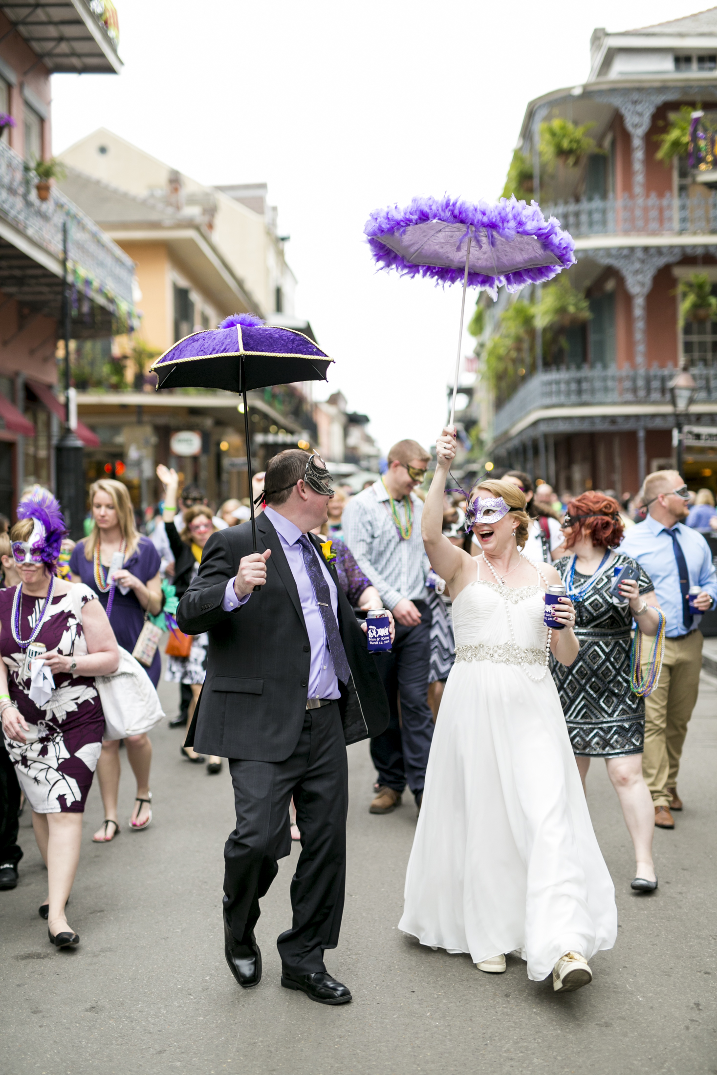 Seattle-wedding-destination-new-orleans-parade-french-quarter-0056.jpg