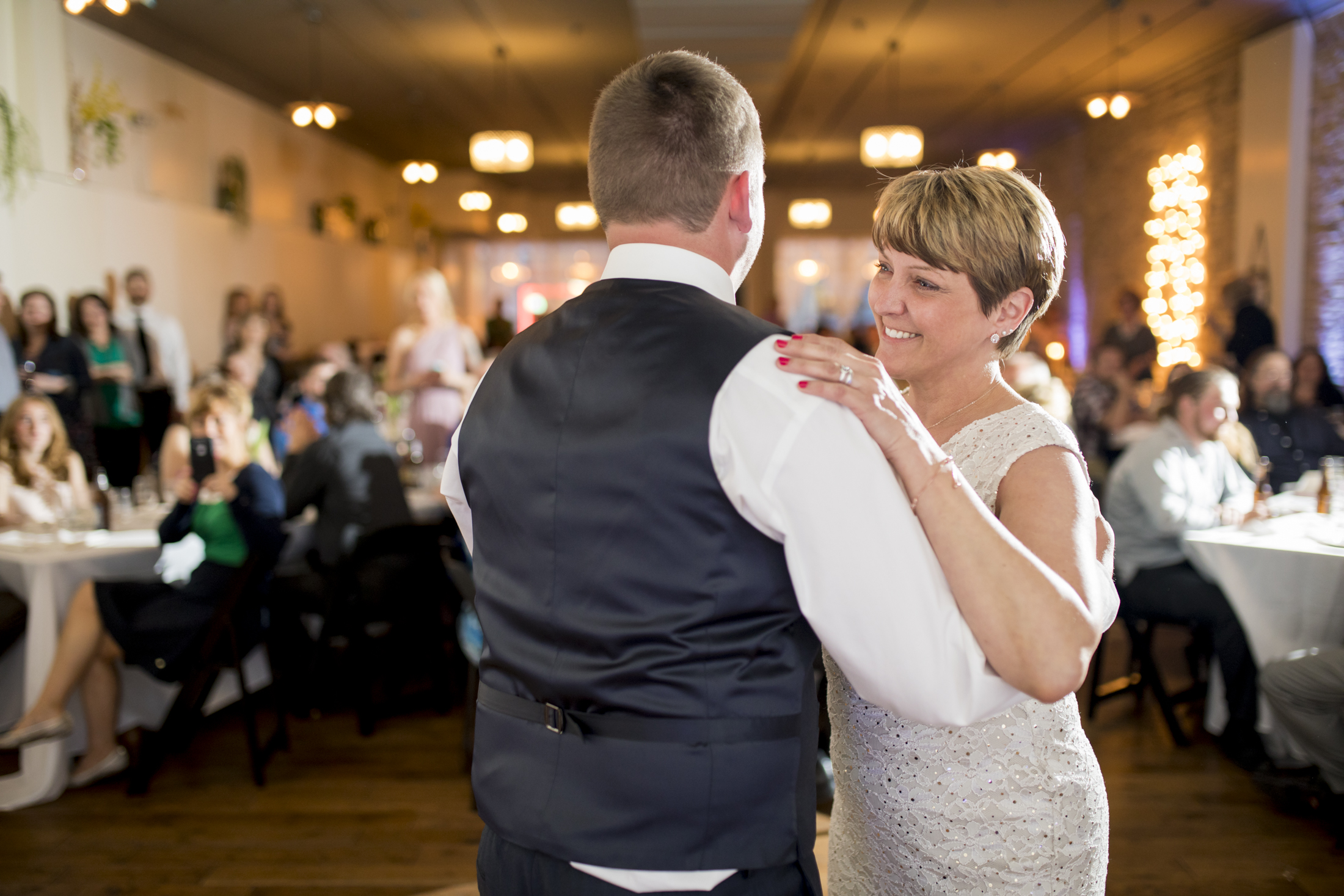 seattle, destination, milwaukee, candid, photojournalistic, wedding, summer-075.jpg