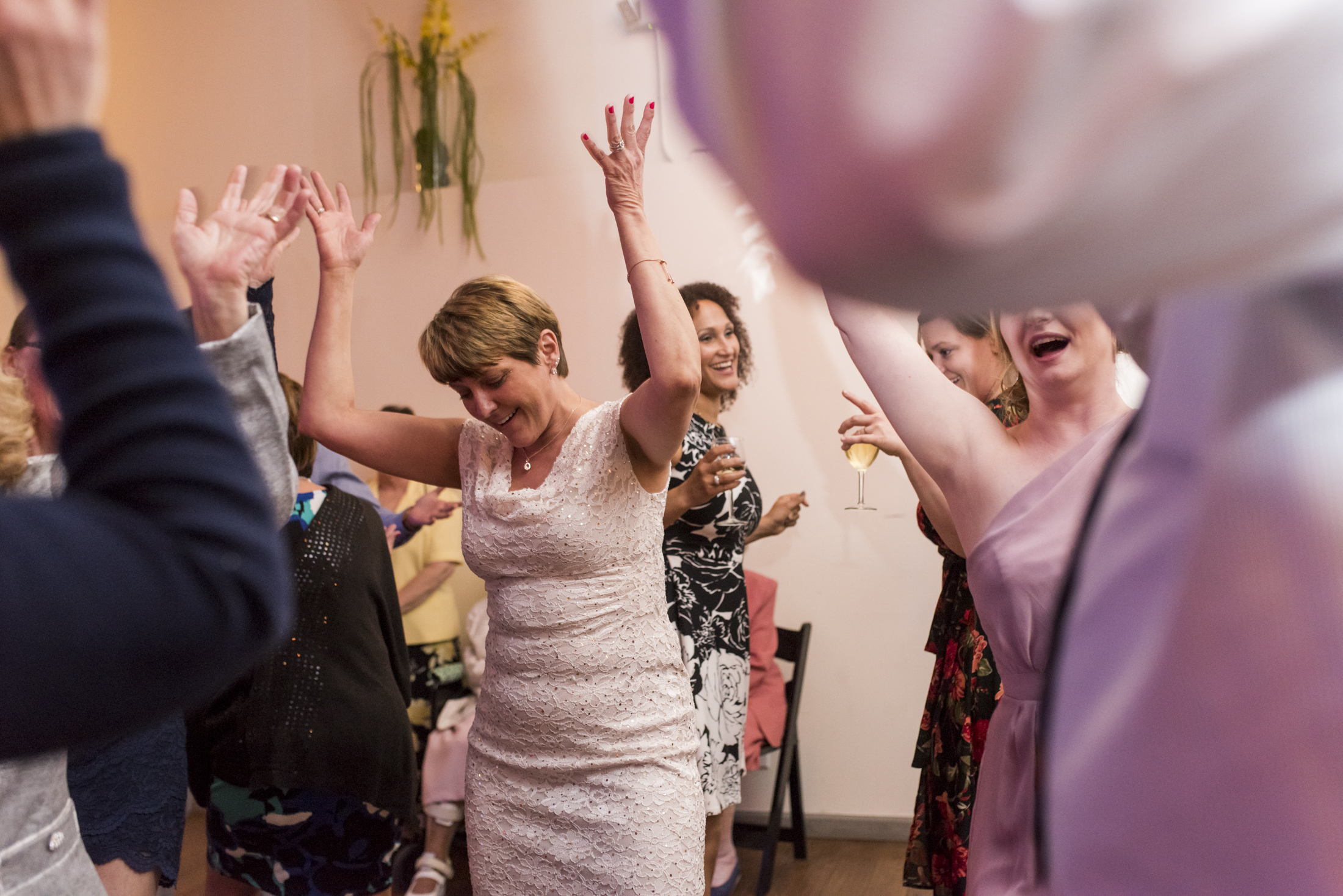 seattle, destination, milwaukee, candid, photojournalistic, wedding, summer-078.jpg