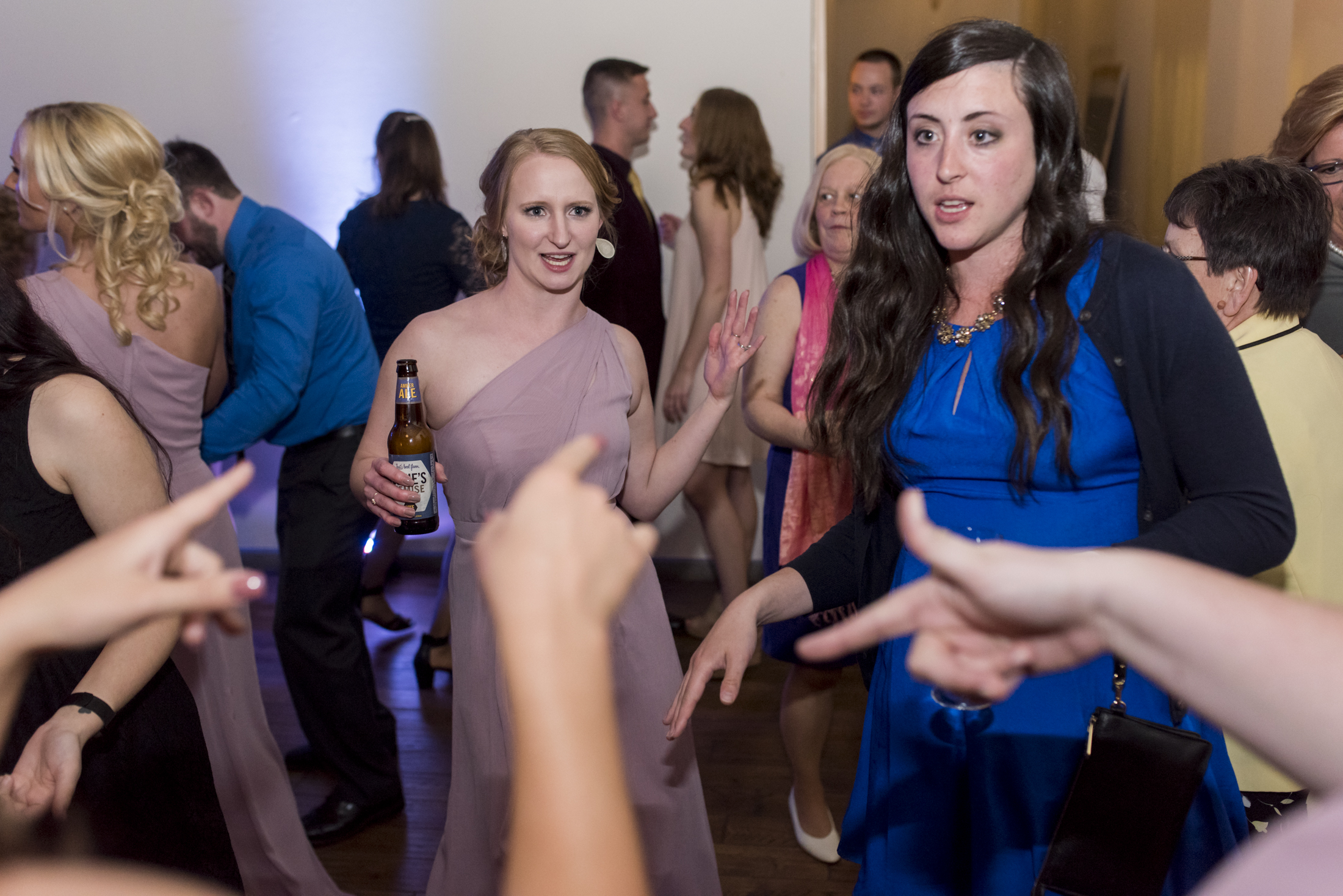 seattle, destination, milwaukee, candid, photojournalistic, wedding, summer-081.jpg